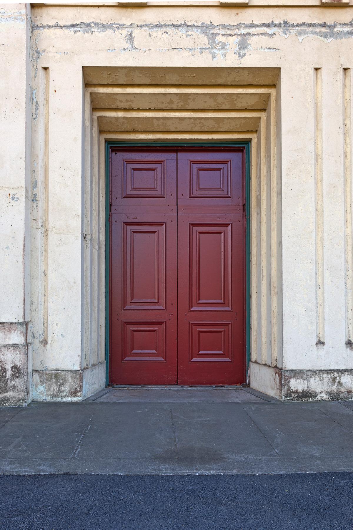 Red door - hdr photo