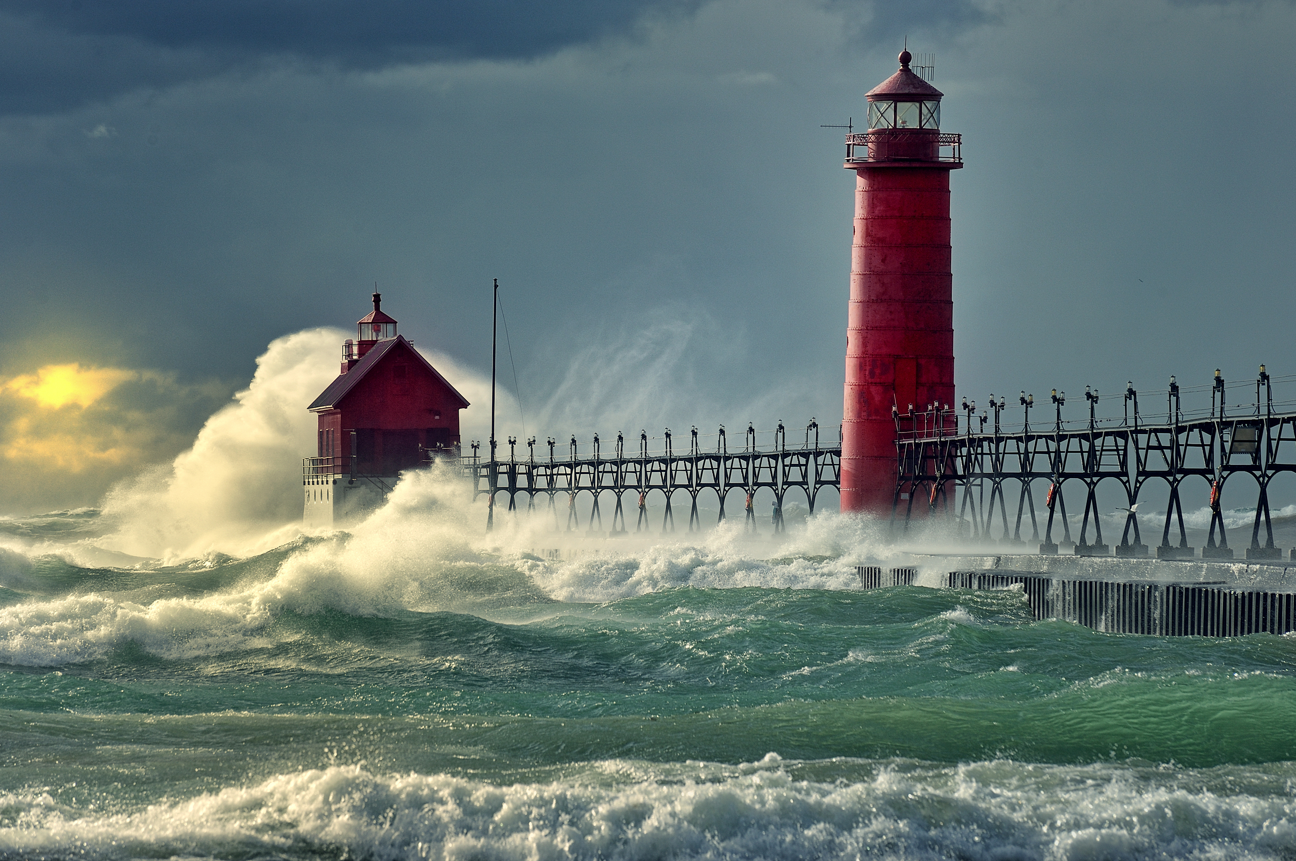 Red lighthouse photo