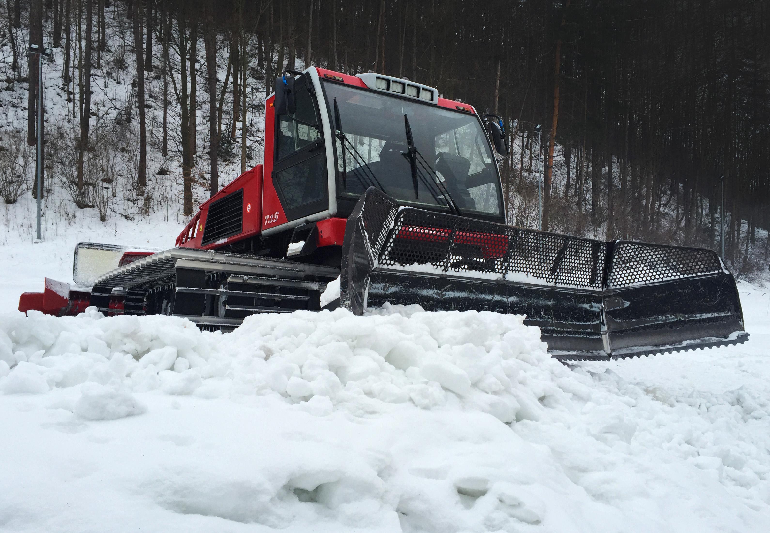 Red ratrak snowcat photo