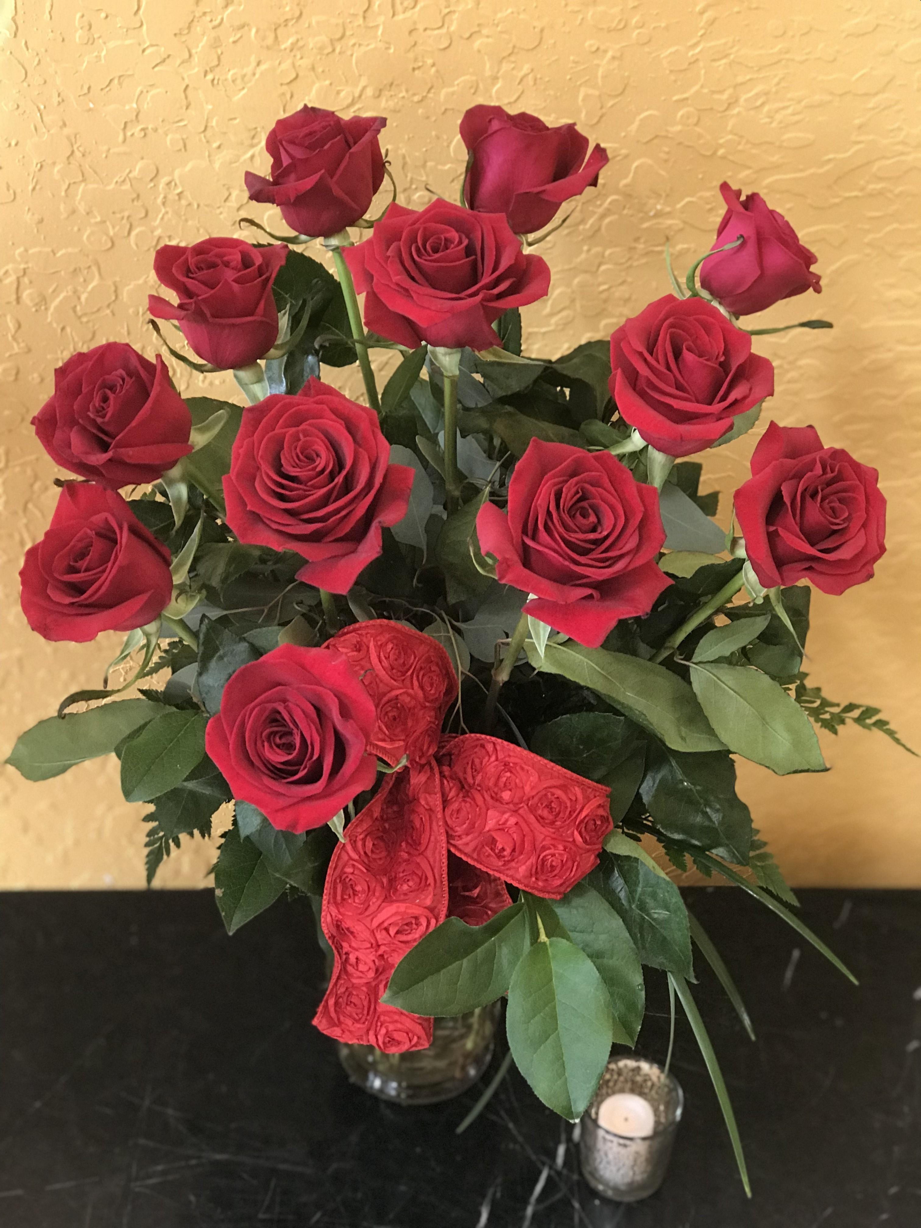 Classic Dozen Red Roses in Cooper City, FL   De La Flor Florist ...