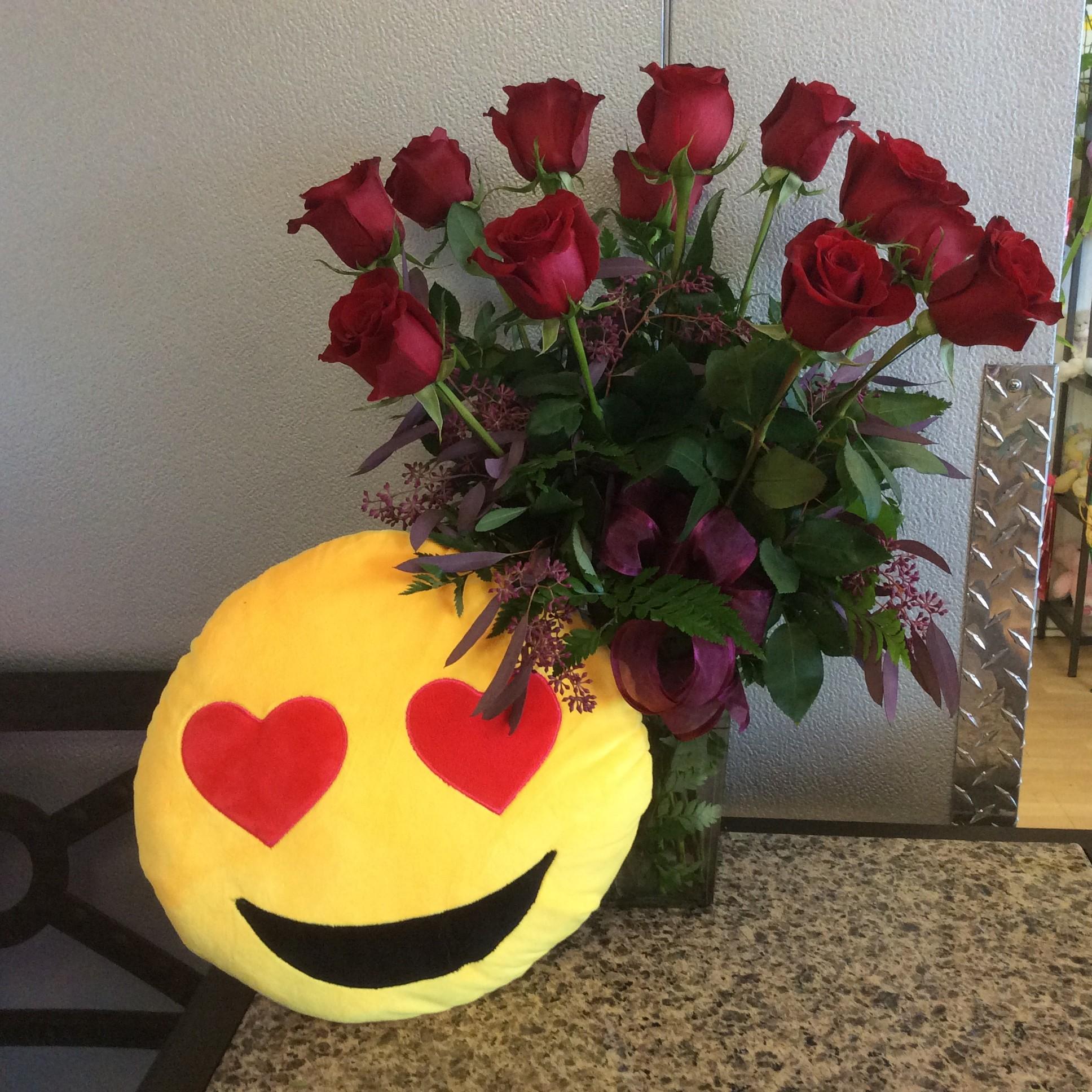 Dz. Red Roses & Heart Eyes Emoji Pillow in Tempe, AZ | Campus Flowers