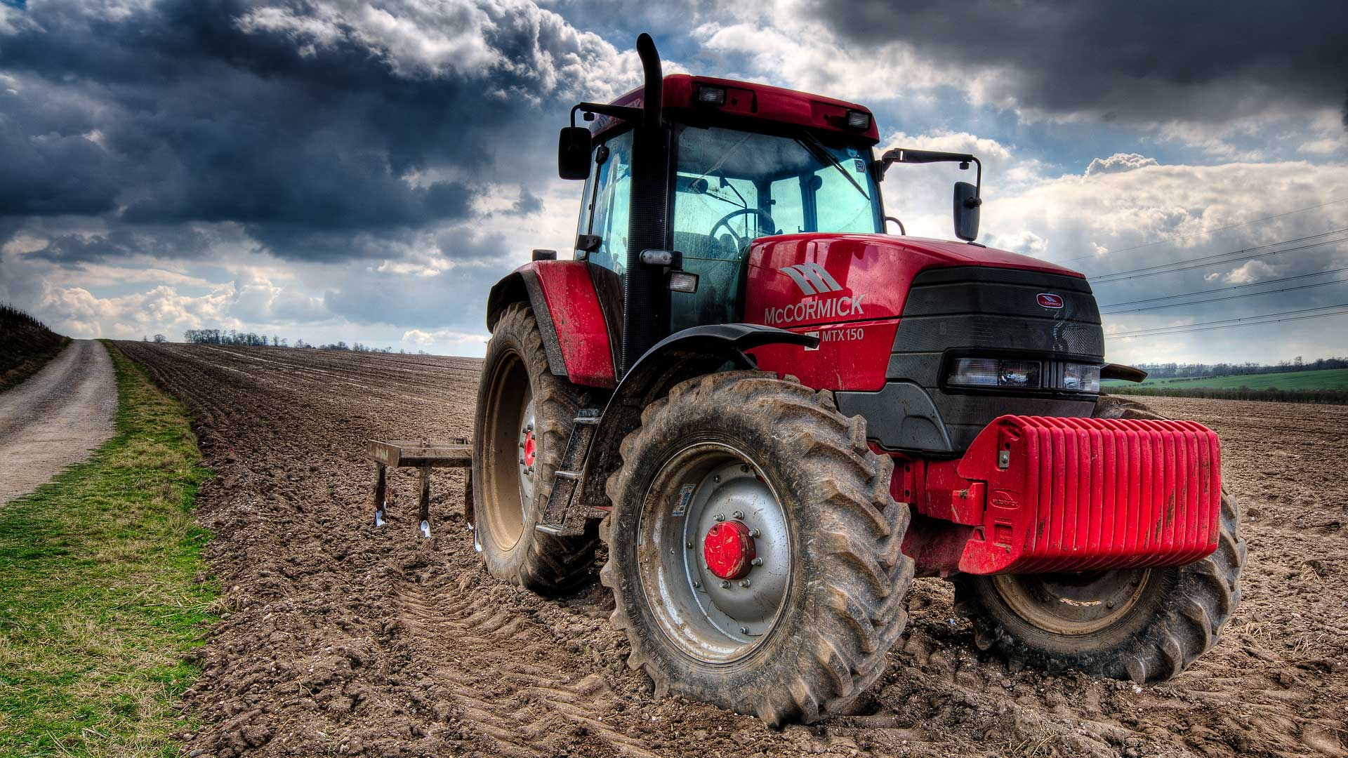 British Farming Unites to Support Red Tractor Week 2016