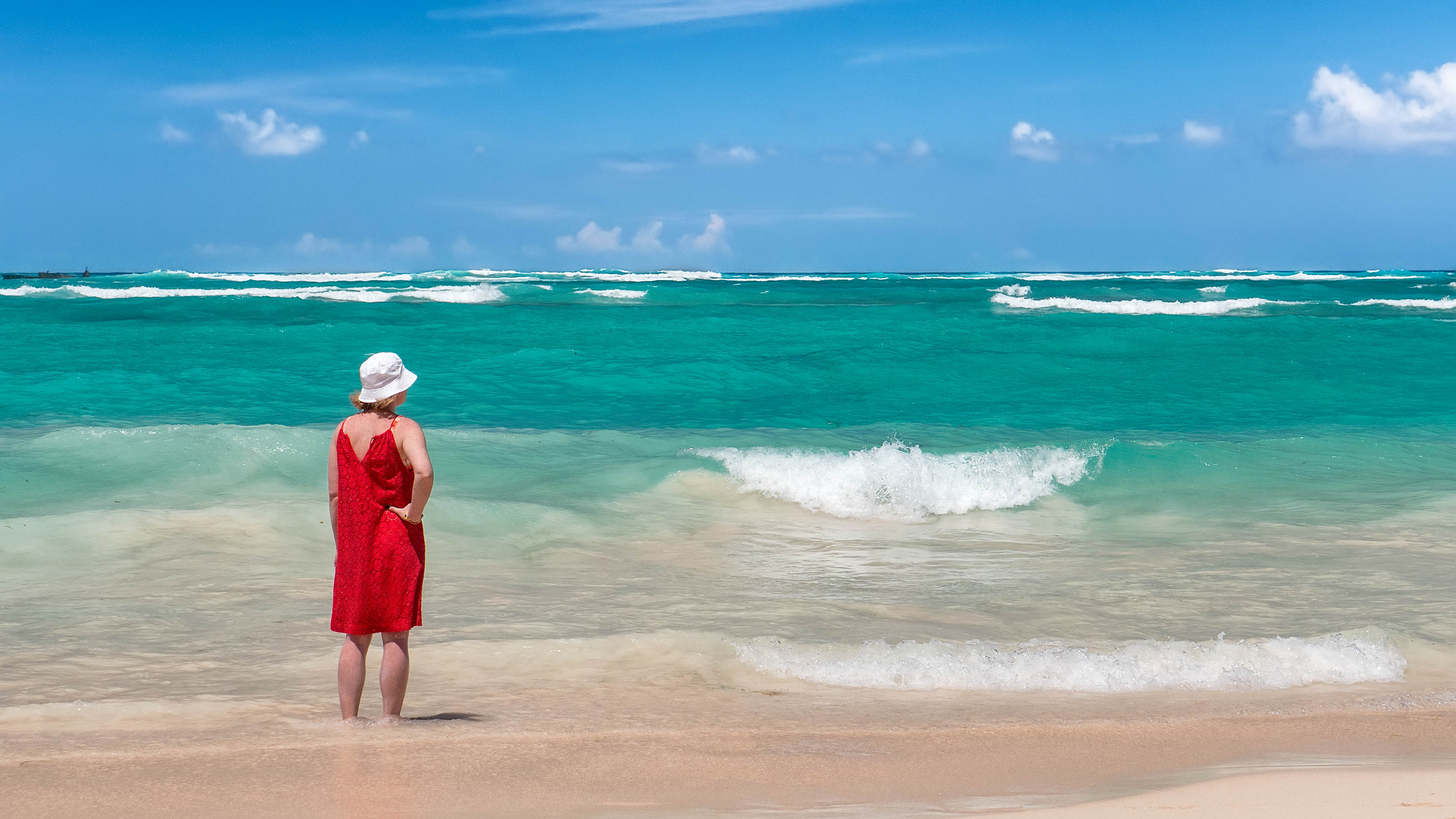 Red, white and blue, Bavaro, Outdoor, Seaside, Sea, HQ Photo