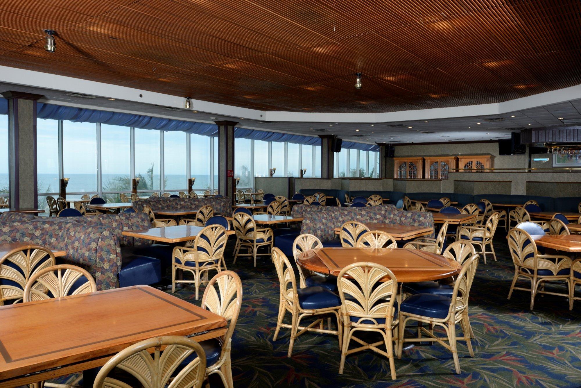 10 Restaurants Near Clarion Resort Fontainebleau Hotel - Oceanfront
