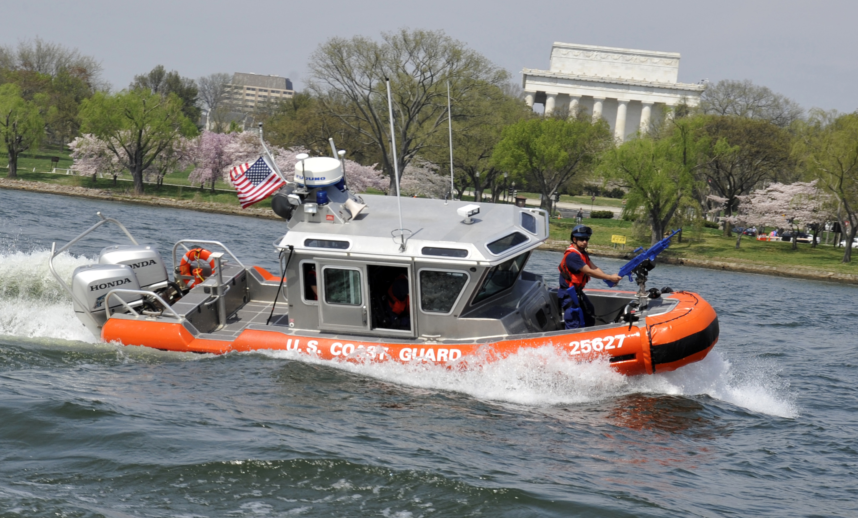 Coast Guard Station Washington conducts training on Potomac River ...