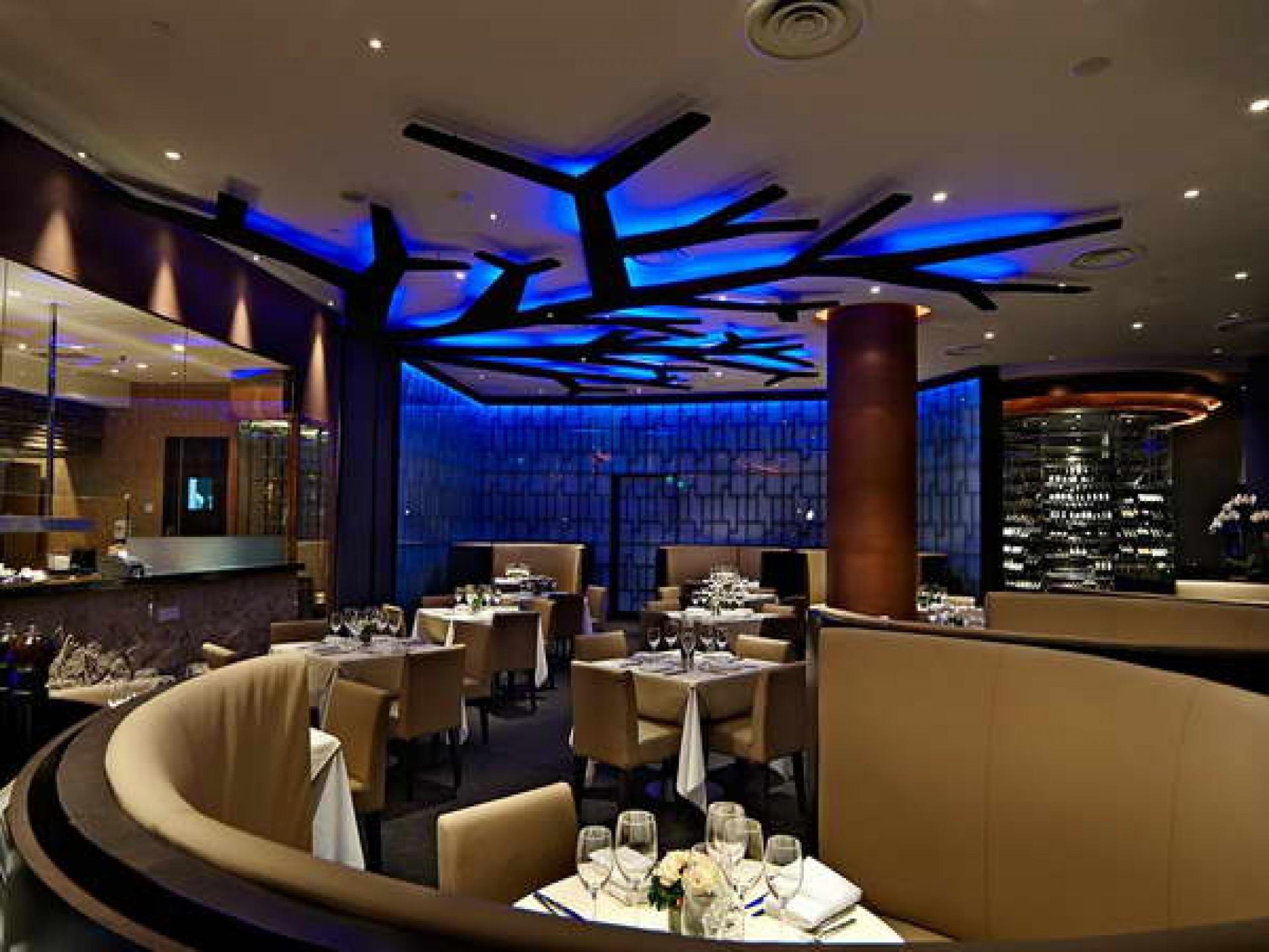 Free photo restaurant lighting concept object restaurant
