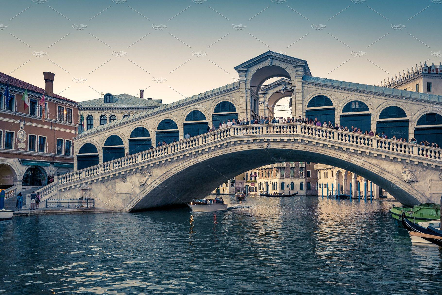Rialto bridge photo