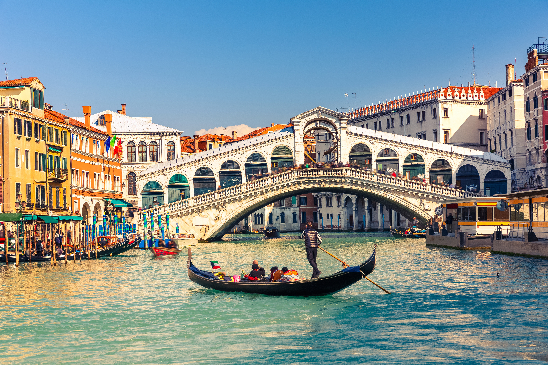 Rialto Bridge Venice   Blog Canvas Holidays