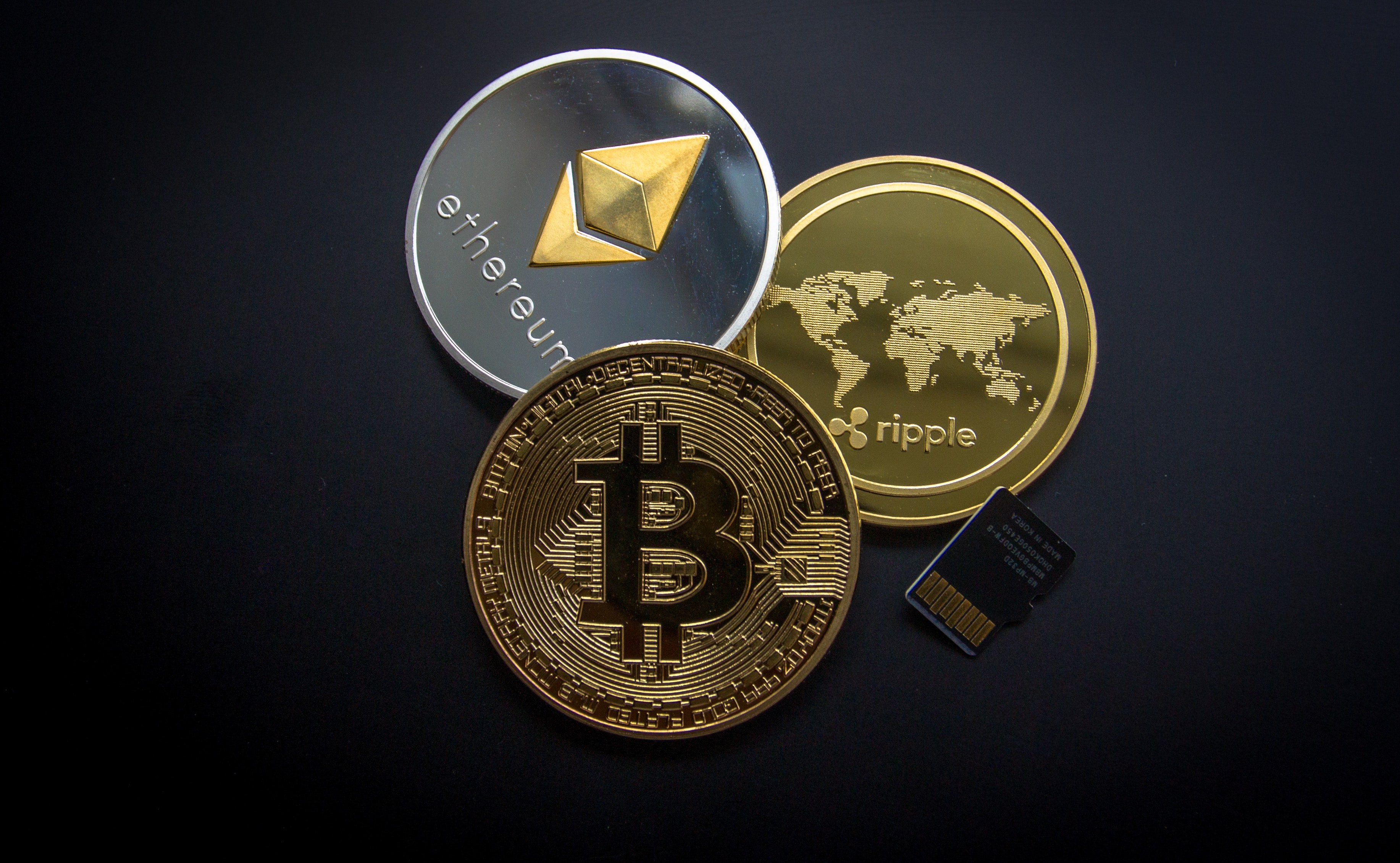 Ripple, Etehereum and Bitcoin and Micro Sdhc Card, Bank, Bitcoin, Business, Change, HQ Photo