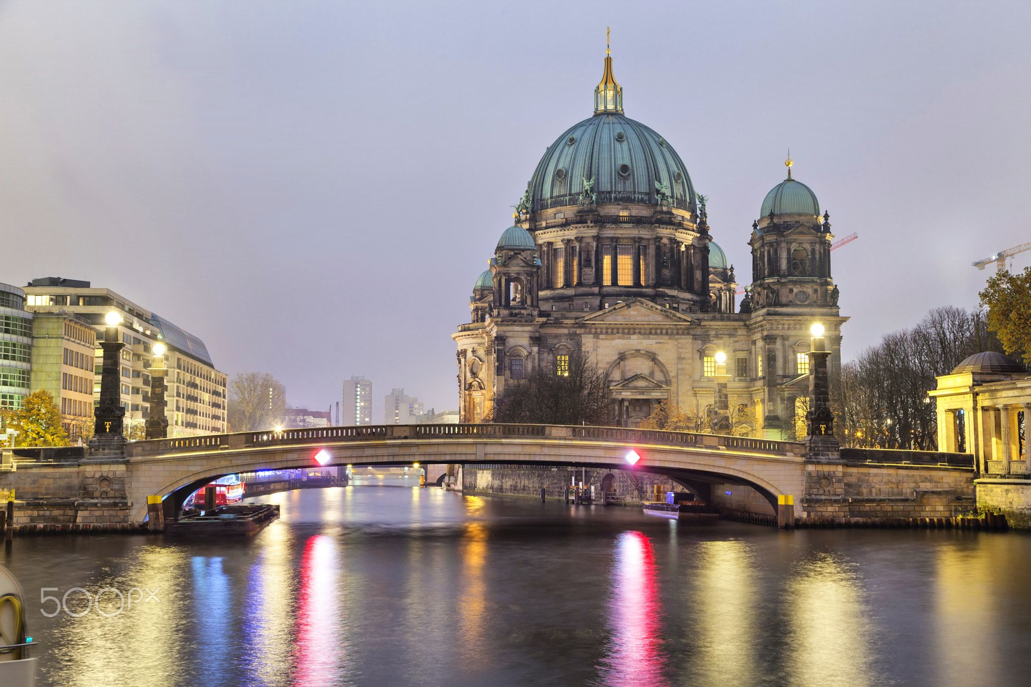 Berlin Cathedral and the bridge across the Spree River ...