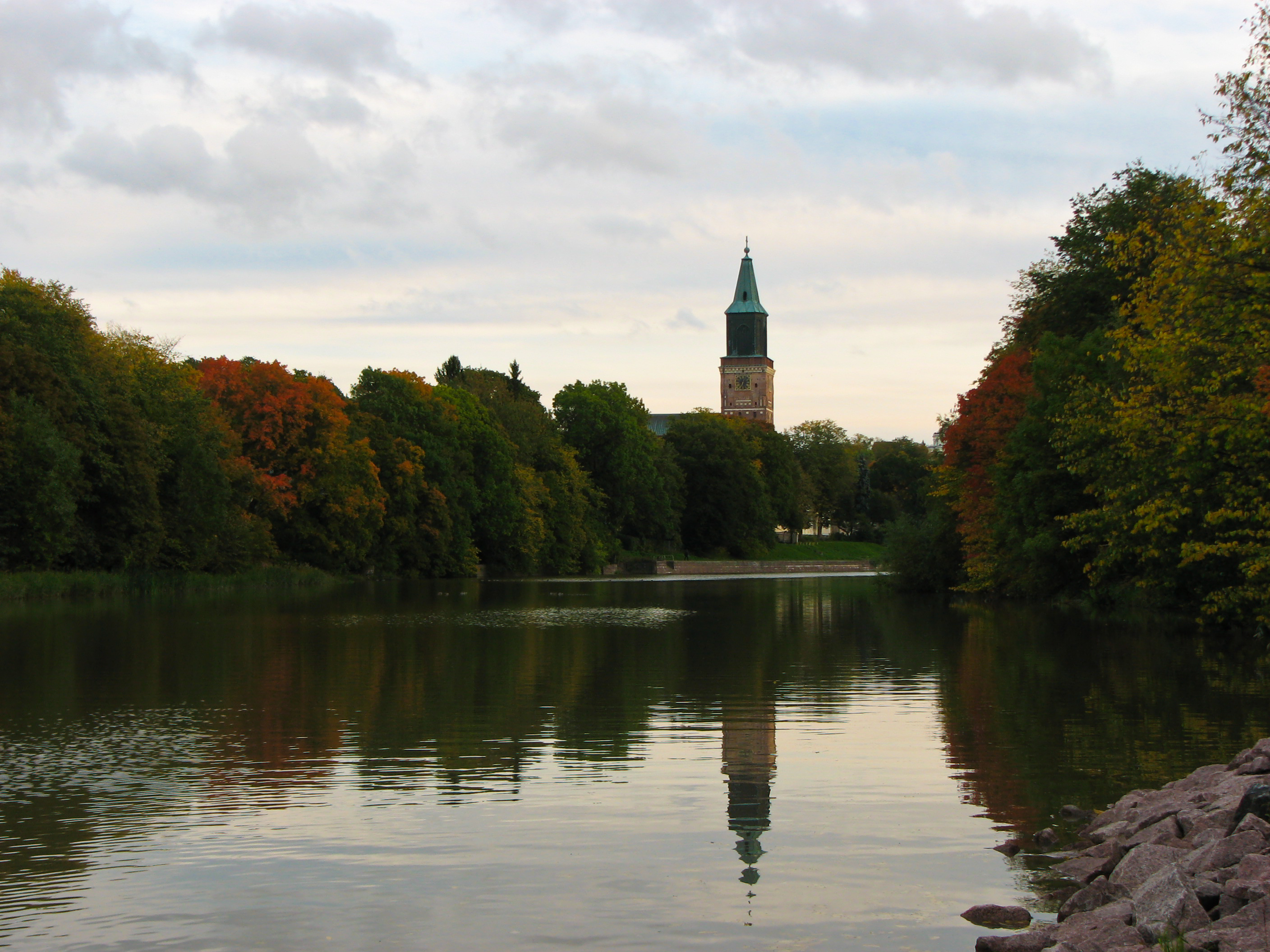 File:Turku Cathedral and Aura River.jpg - Wikimedia Commons