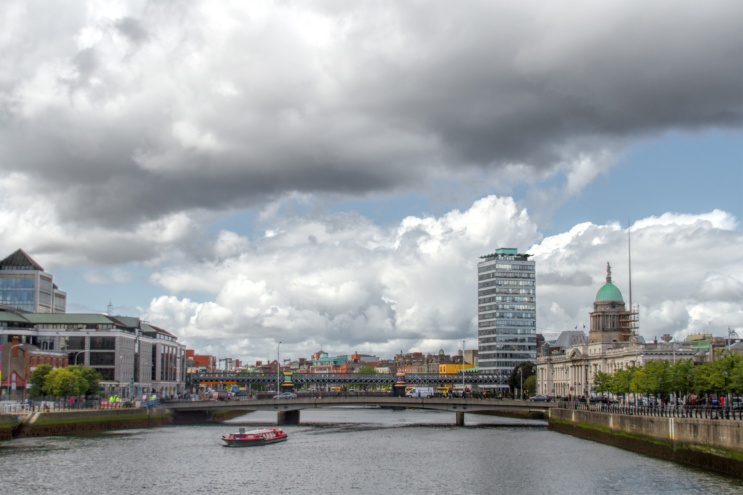 River liffey in dublin photo