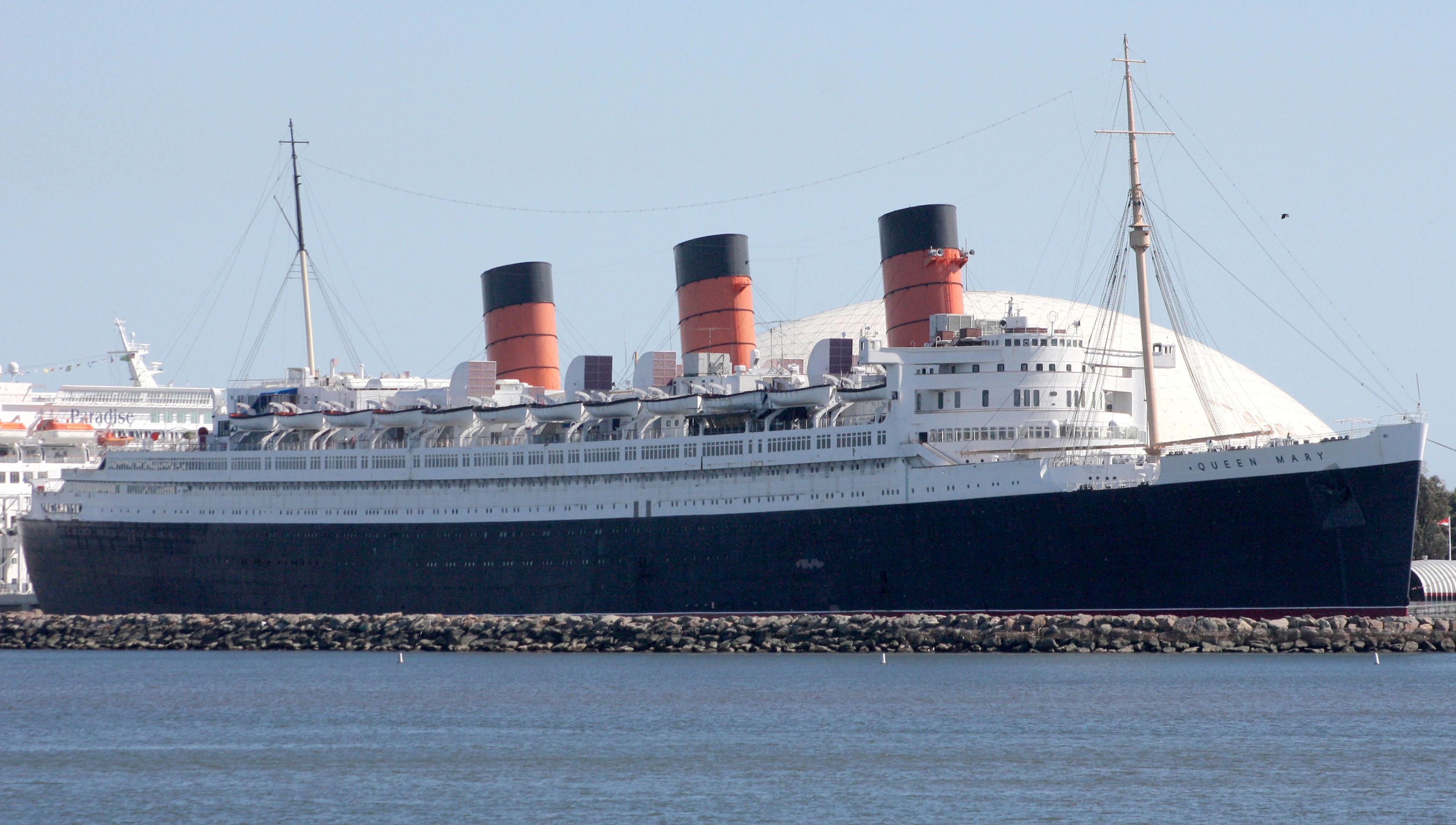 File:RMS Queen Mary at Long Beach.jpg - Wikimedia Commons