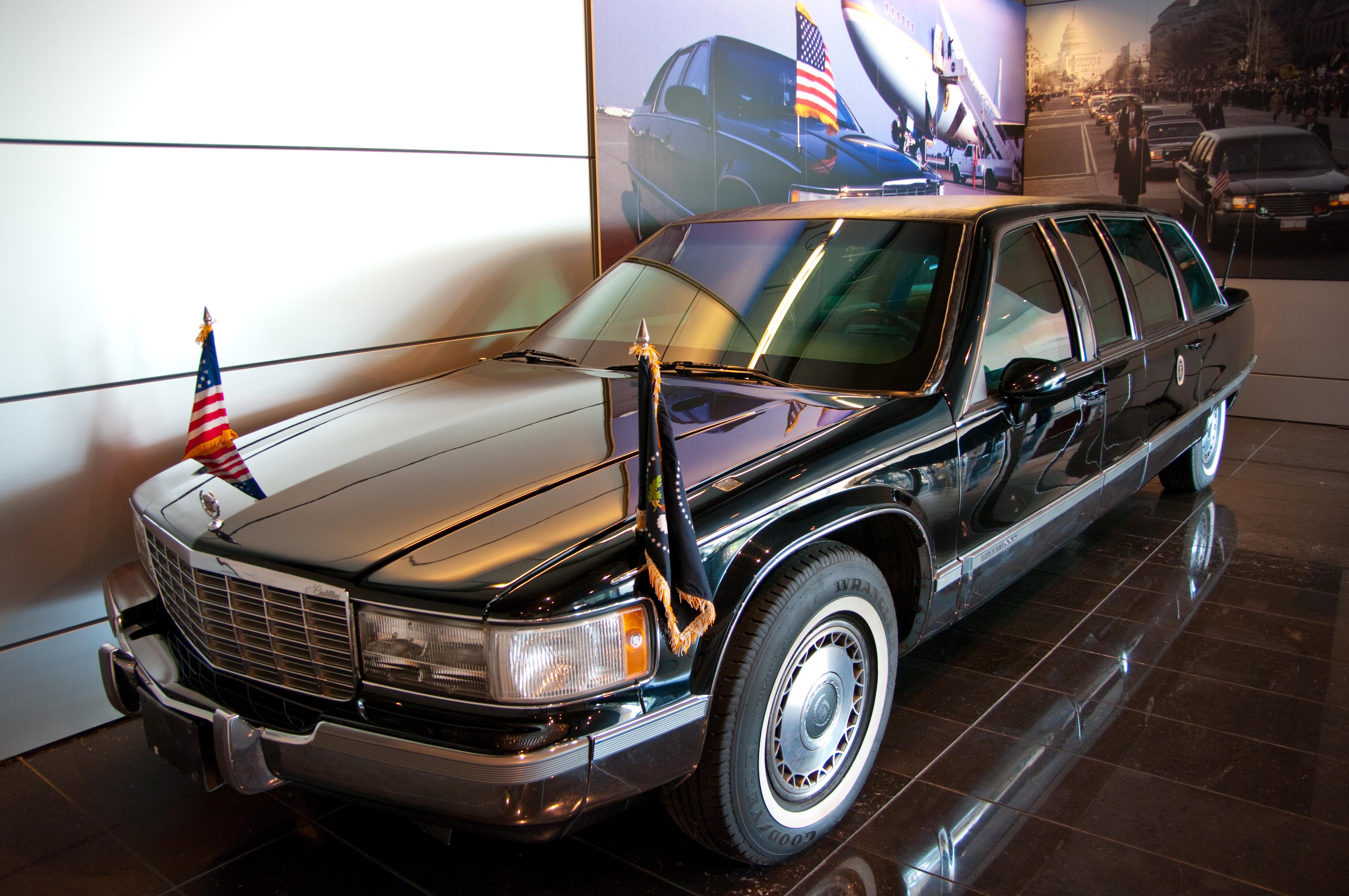 Road Trip: Clinton Library, Arkansas, Car, Clinton, History, HQ Photo
