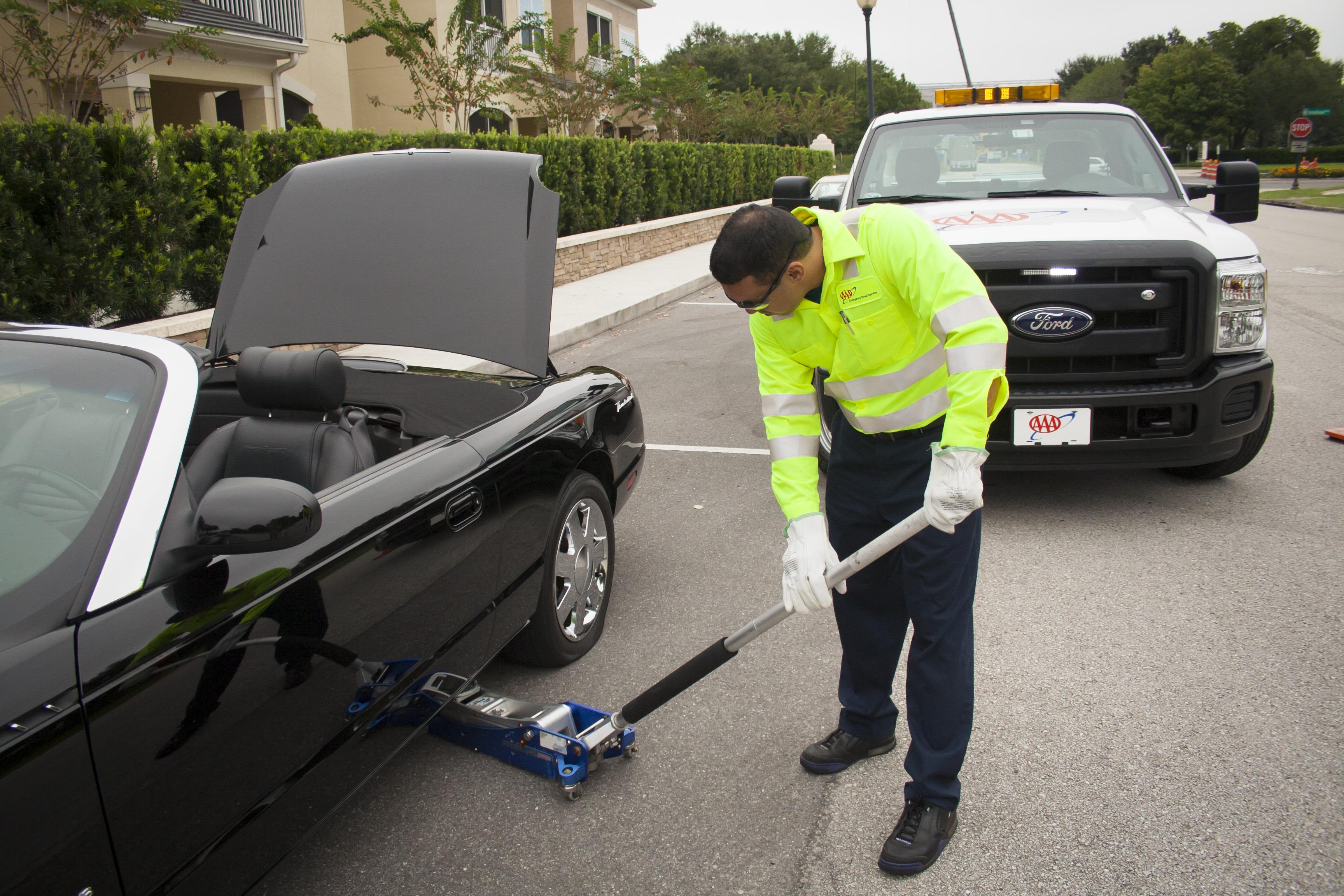 Roadside assistance photo