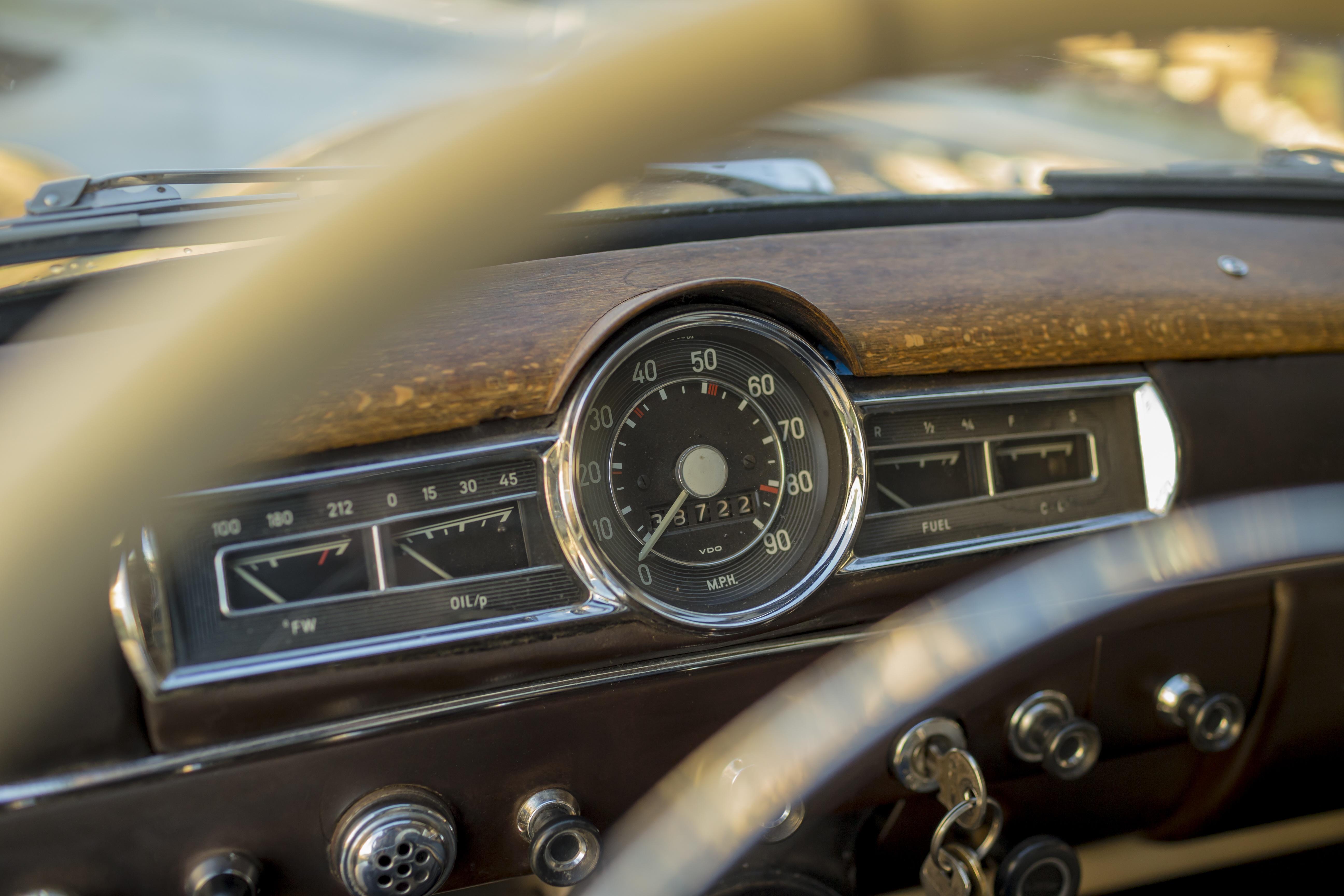 Roadster, vintage car instrument cluster