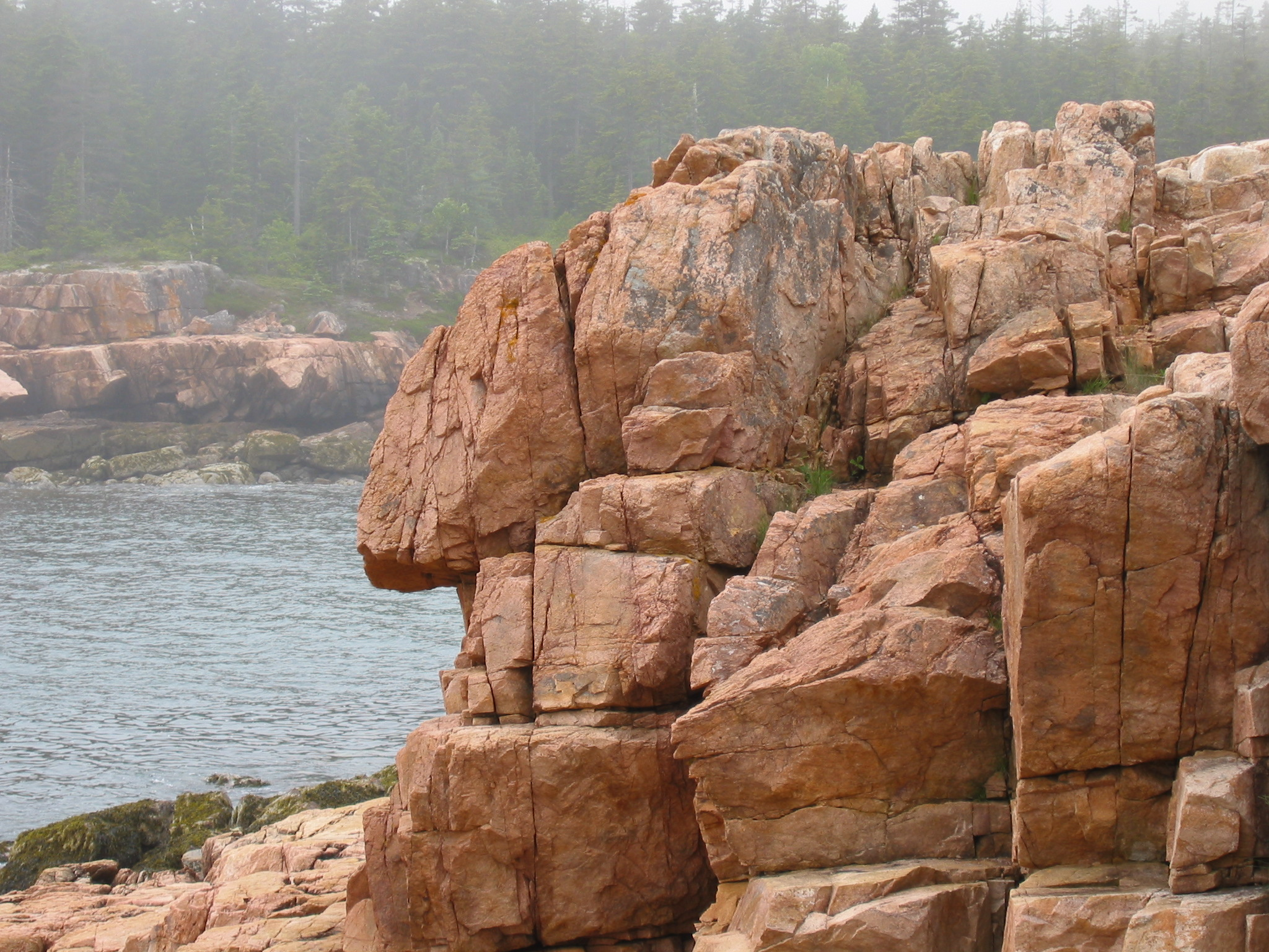 File:Anthropomorphic rock formation.jpg - Wikimedia Commons