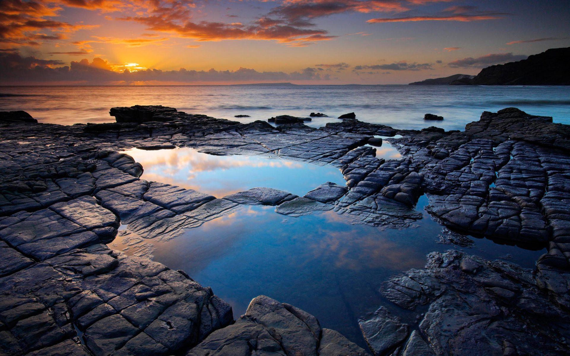 Rock pool background photo