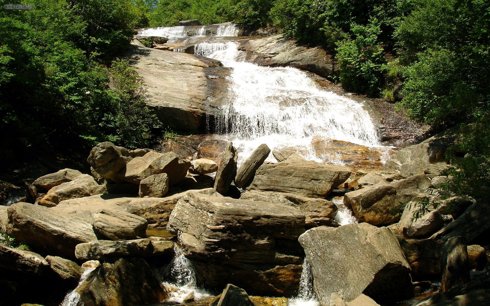 Nature: Waterfall on rocks, picture nr. 22230