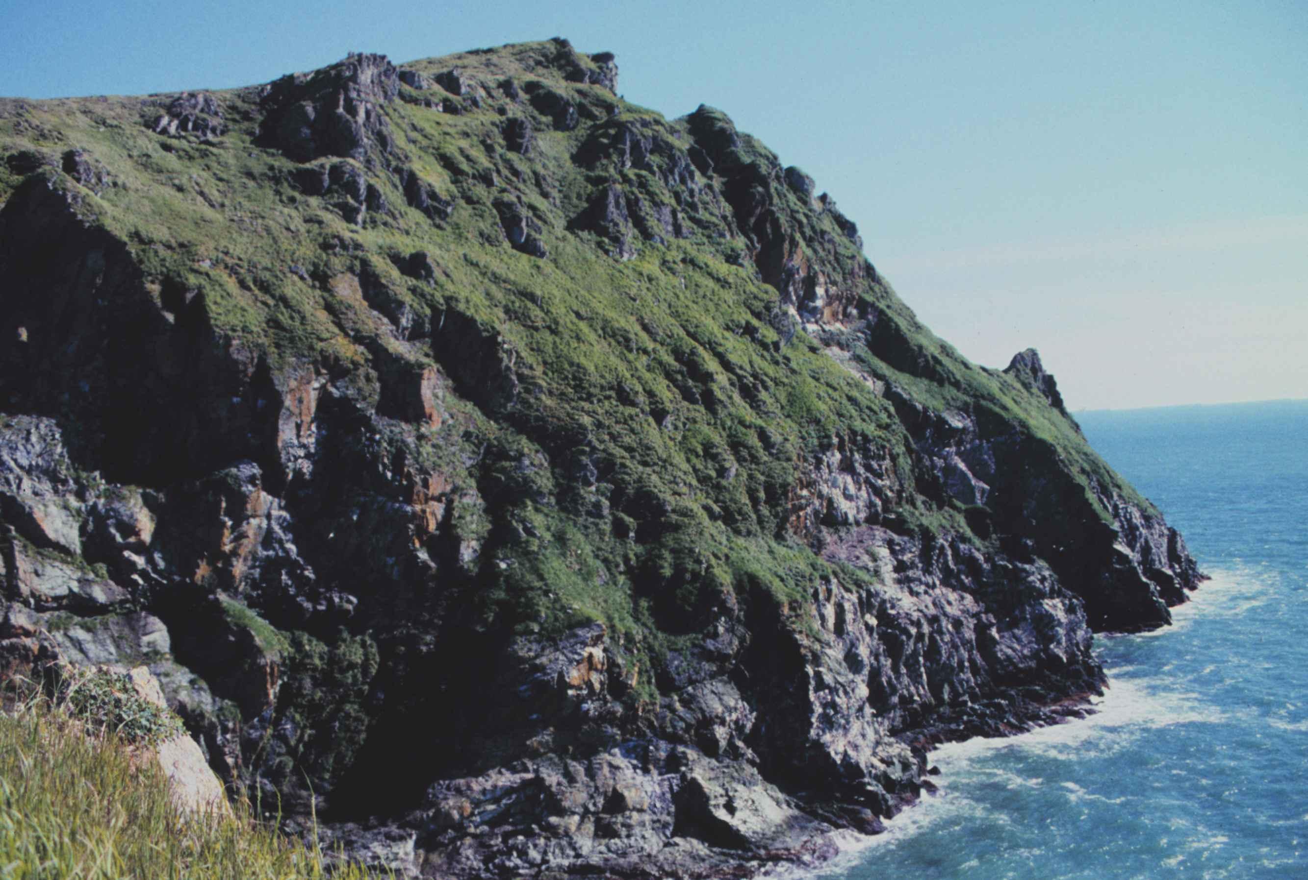 File:Rocky cliffs line the southwestern coast of Togiak refuge.jpg ...