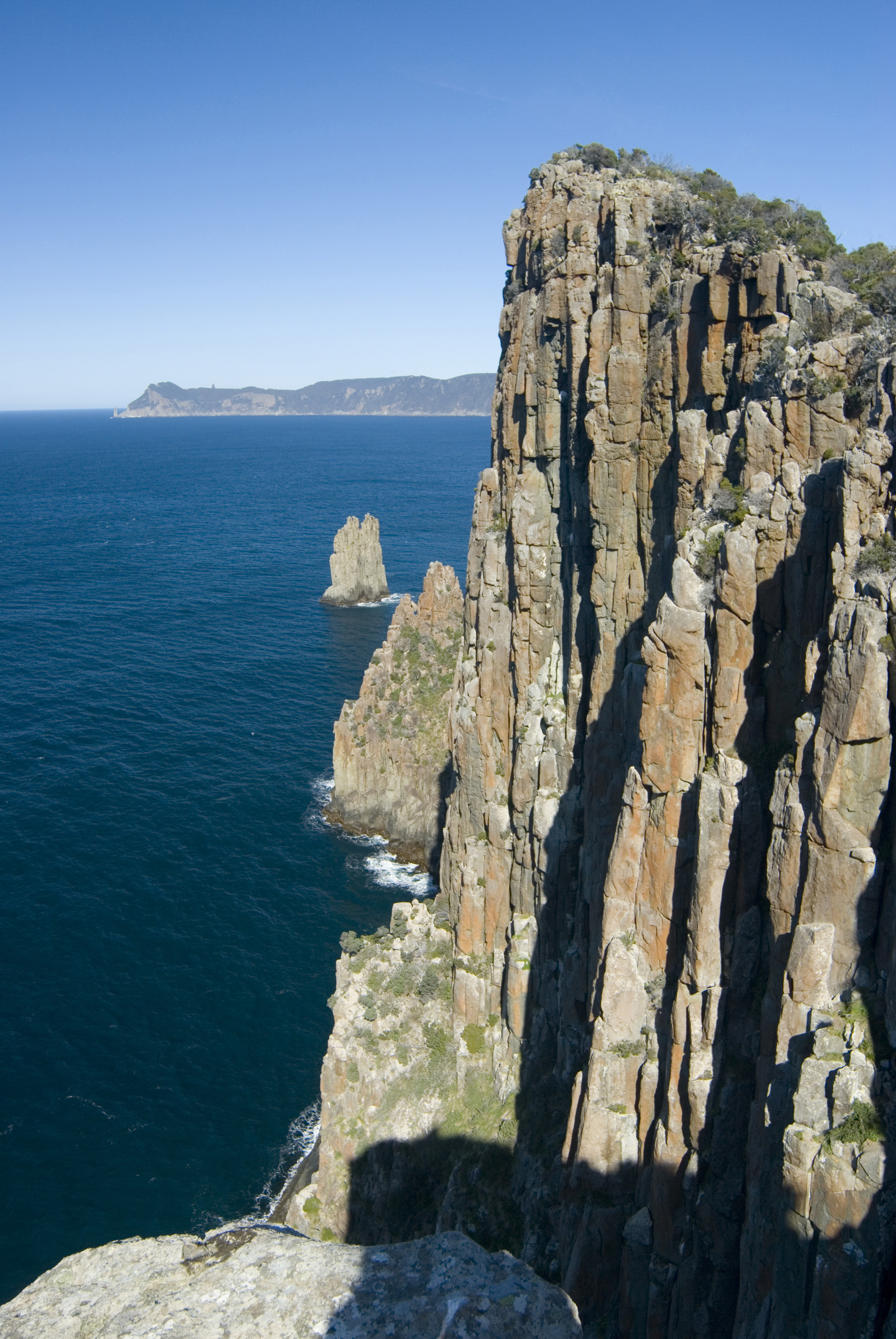 Free Stock Photo 5906 cape hauy cliff face   freeimageslive