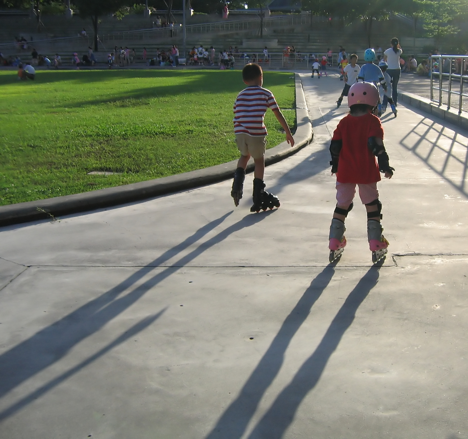 Rollerbladers in the Park, Afternoon, Protection, Sun, Sport, HQ Photo