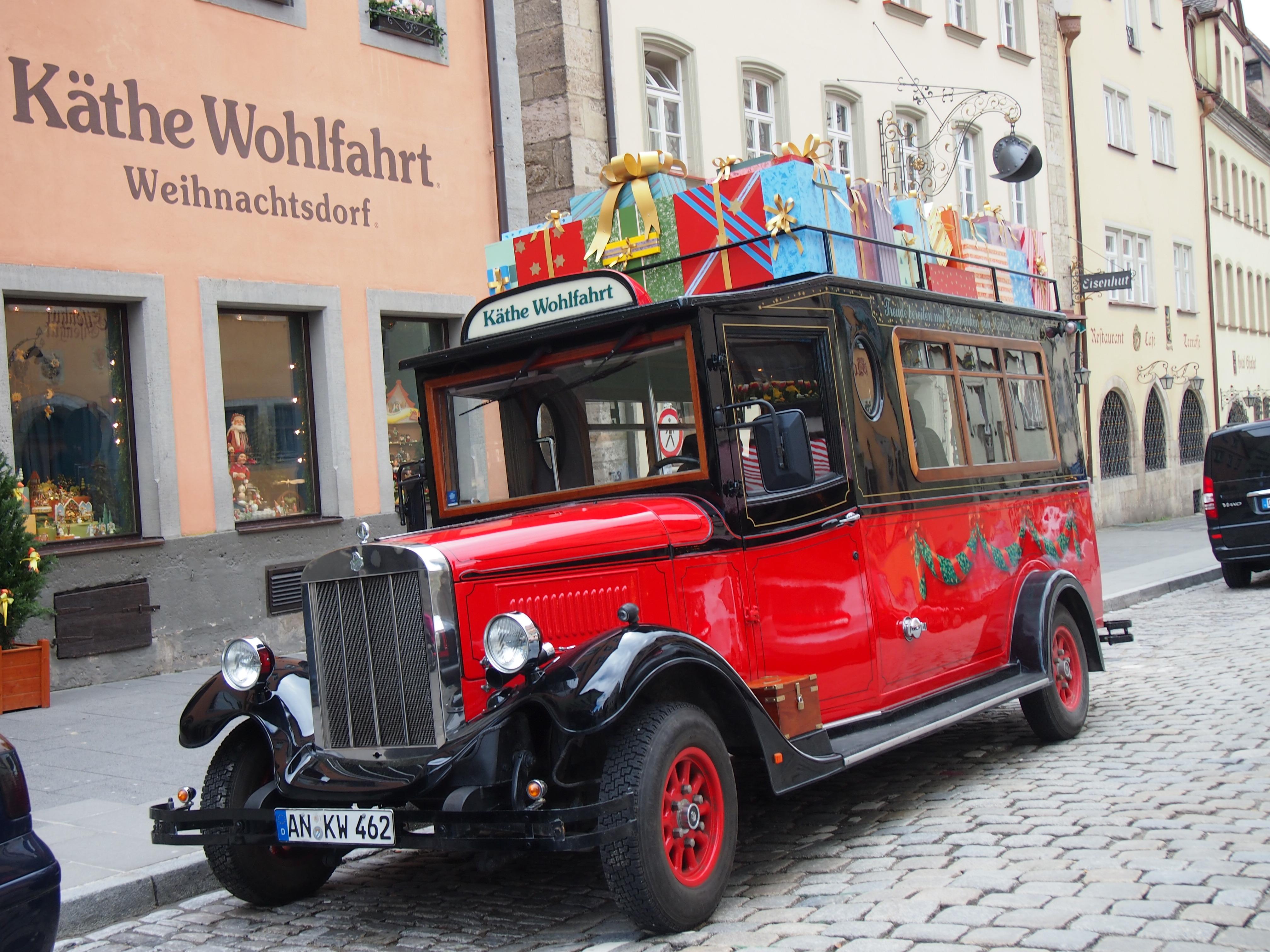 Rothenburg vintage bus photo