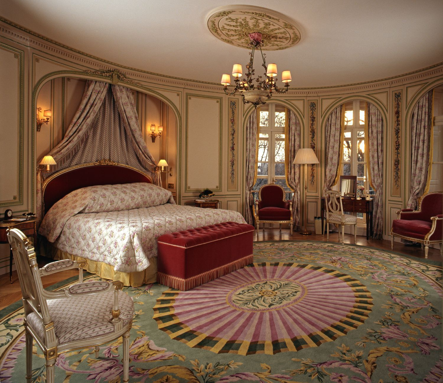Check out The Royal Bedroom Suite at the London Ritz from Most ...