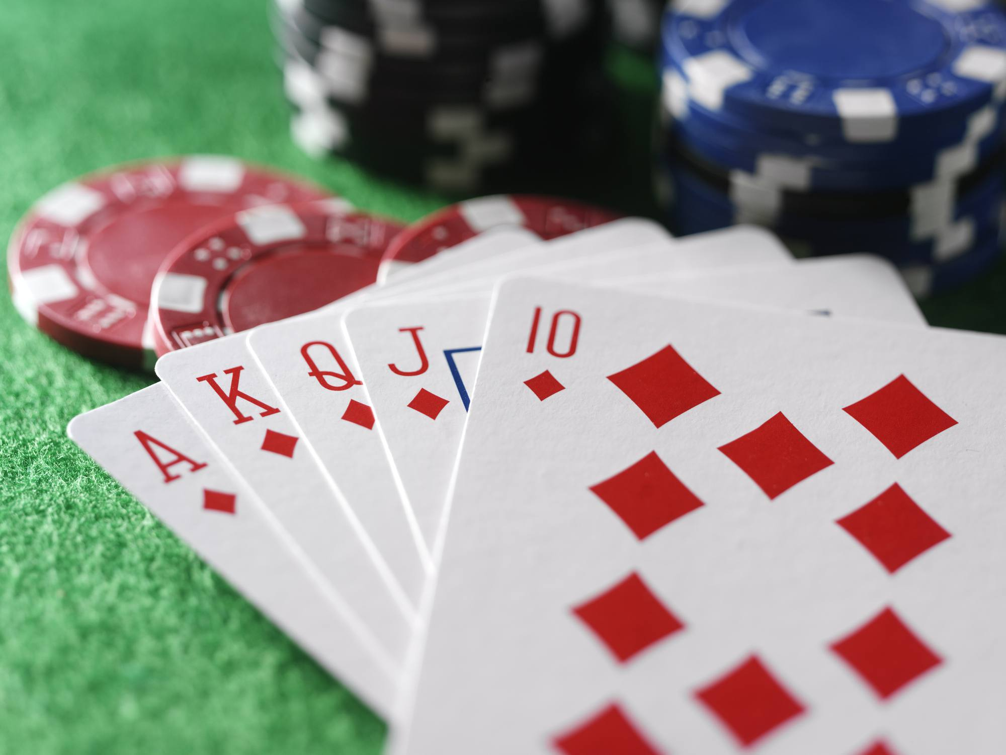 How to Easily Deal a Royal Flush With Magic