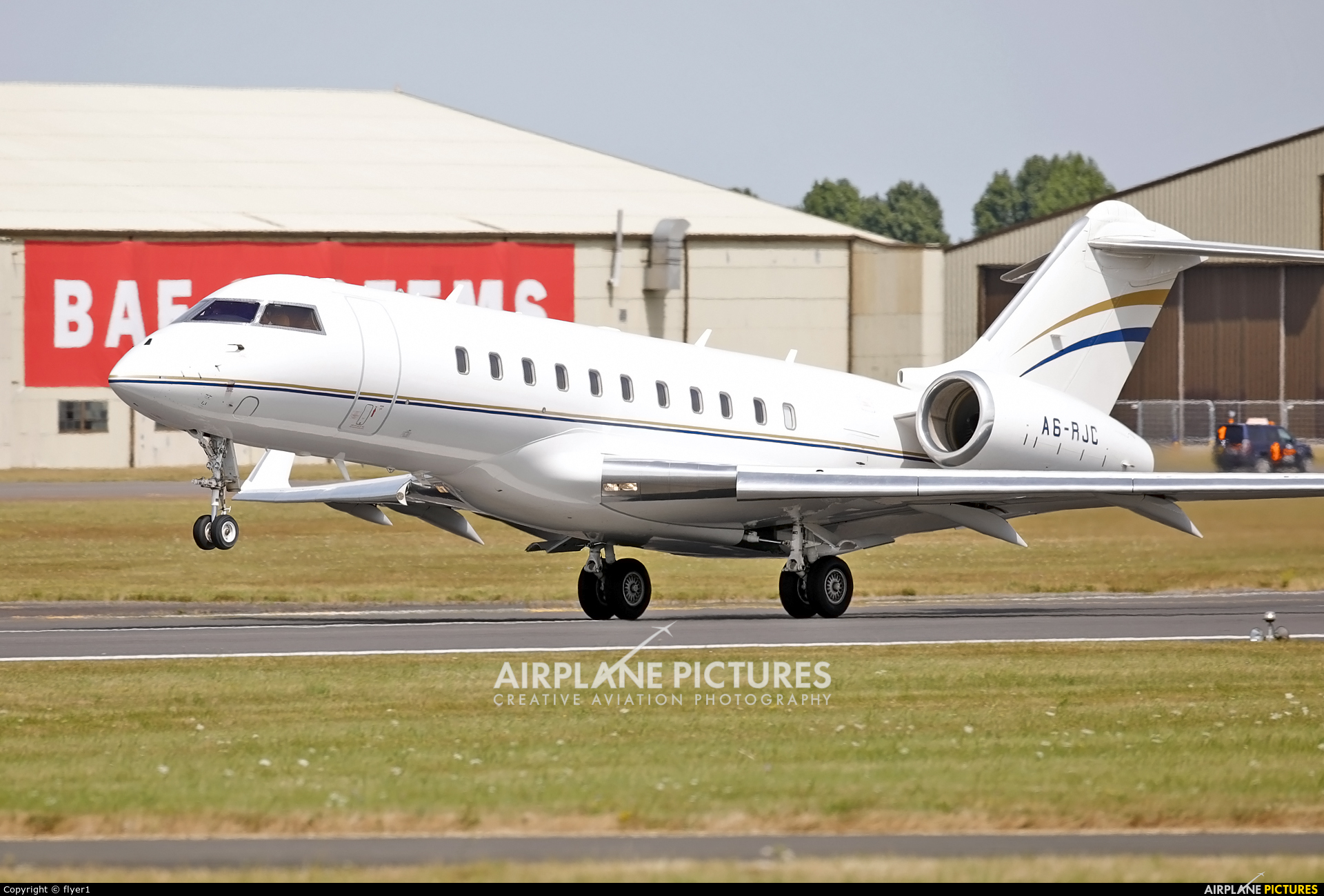 A6-RJC - Royal Jet Bombardier BD-700 Global 6000 at Fairford | Photo ...