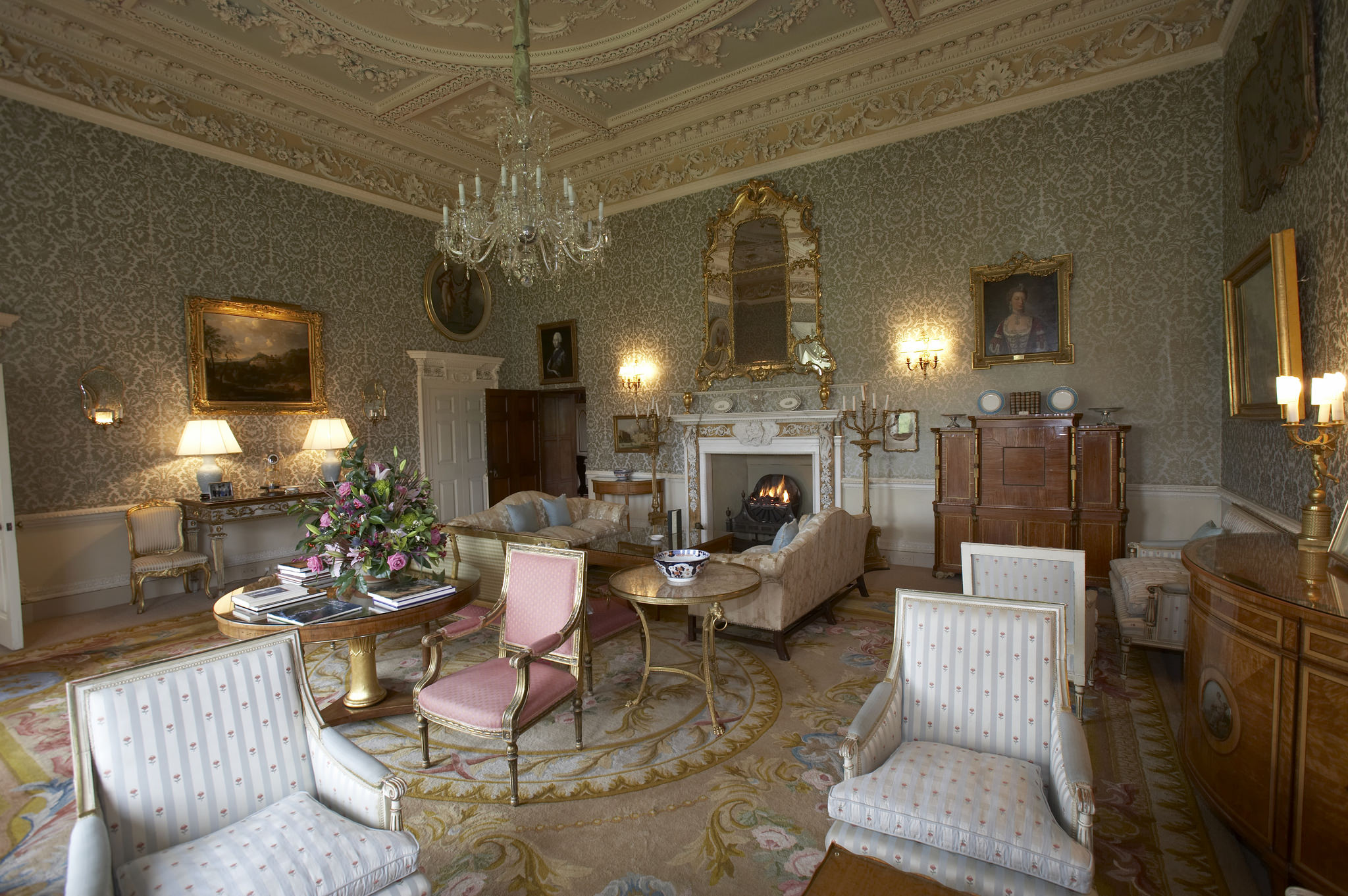 Royal Rooms at the Hotel with Royal History - Hartwell House ...