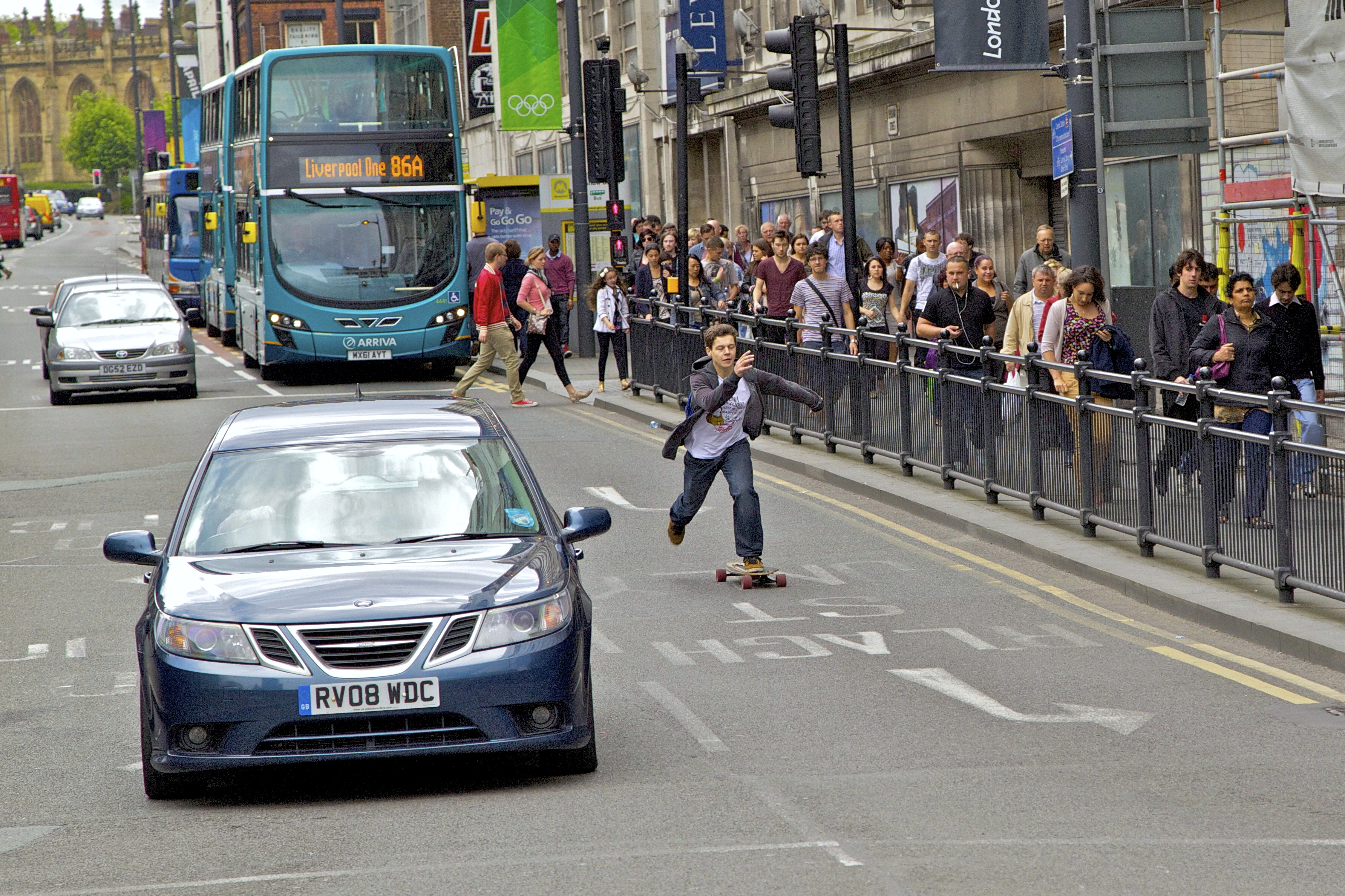 Rush hour ...... liverpool city centre photo