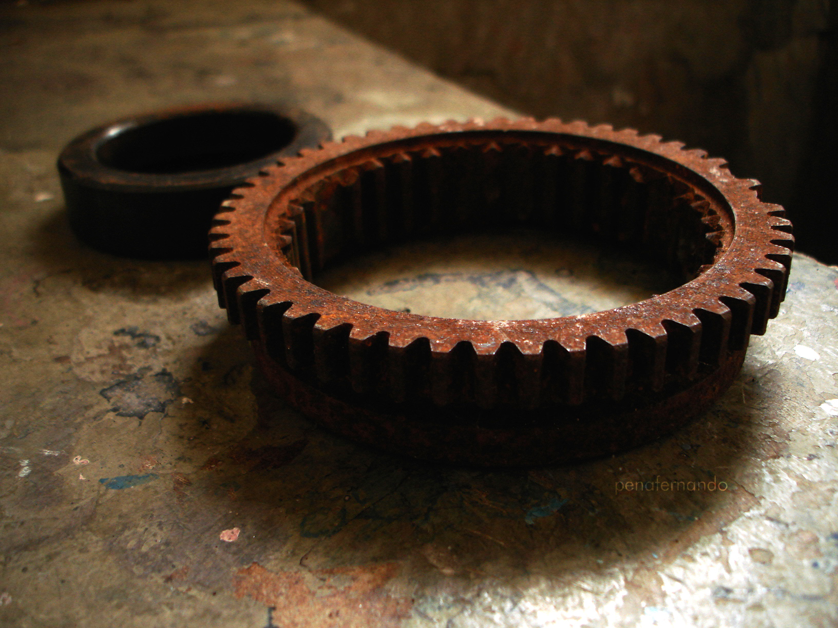 Rusted gear photo