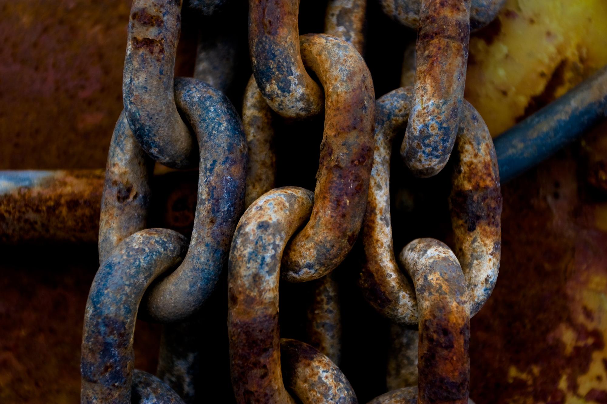 Rusty chains photo