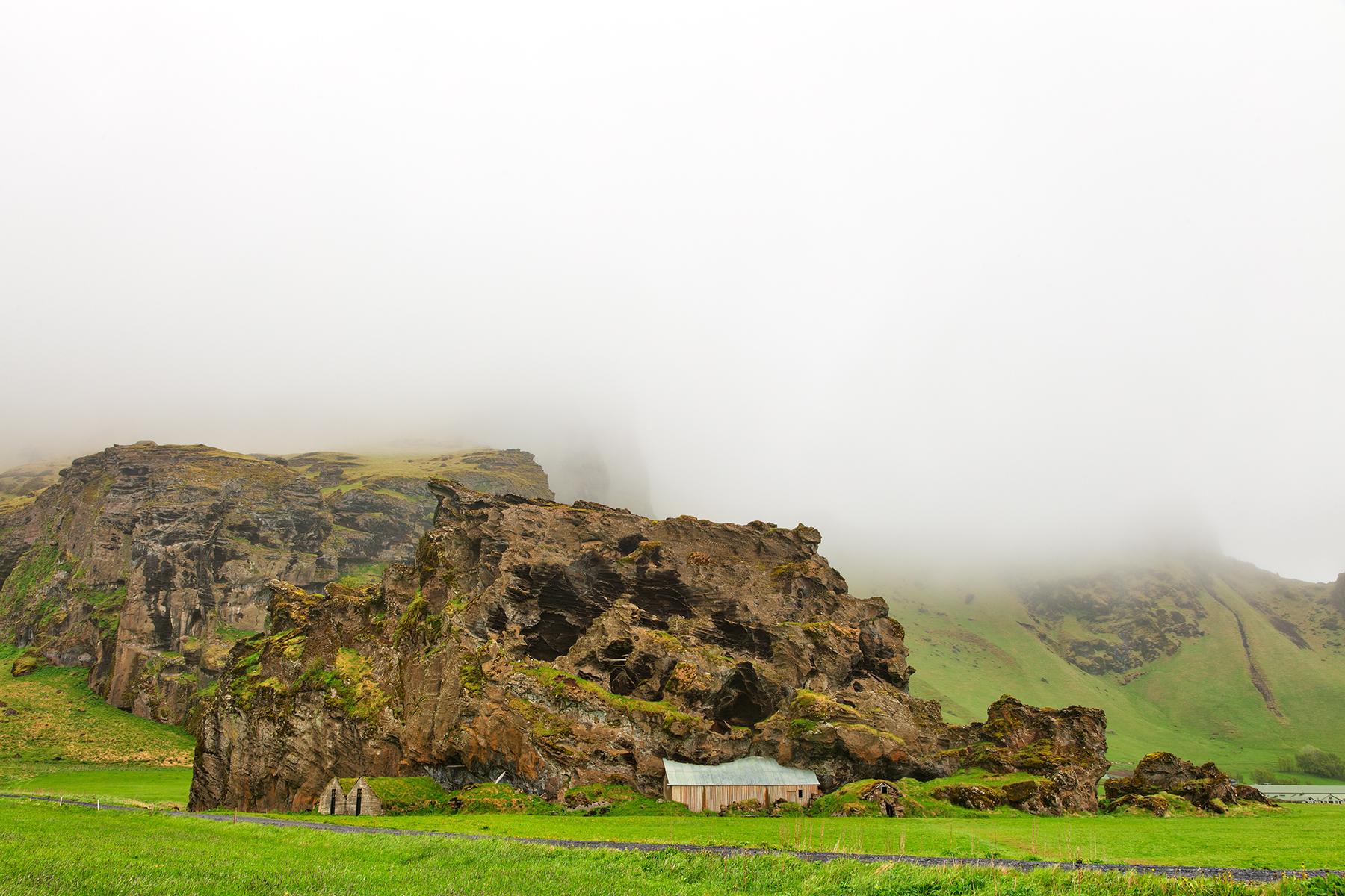 Rutshellir Fog, Age, Region, Seasonal, Season, HQ Photo