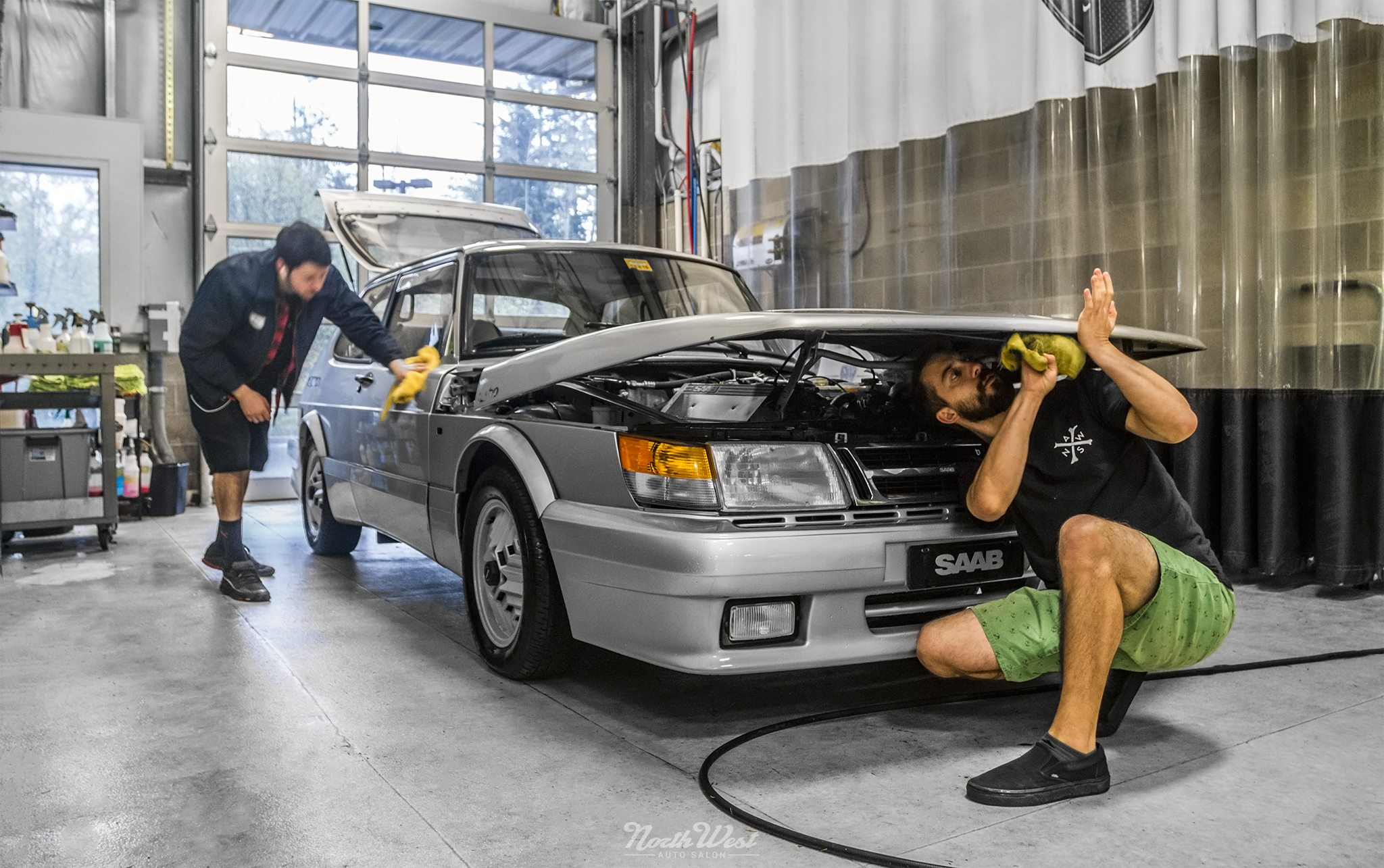 Born From Jets: SAAB 900 Turbo SPG gets Vinyl Wrapped