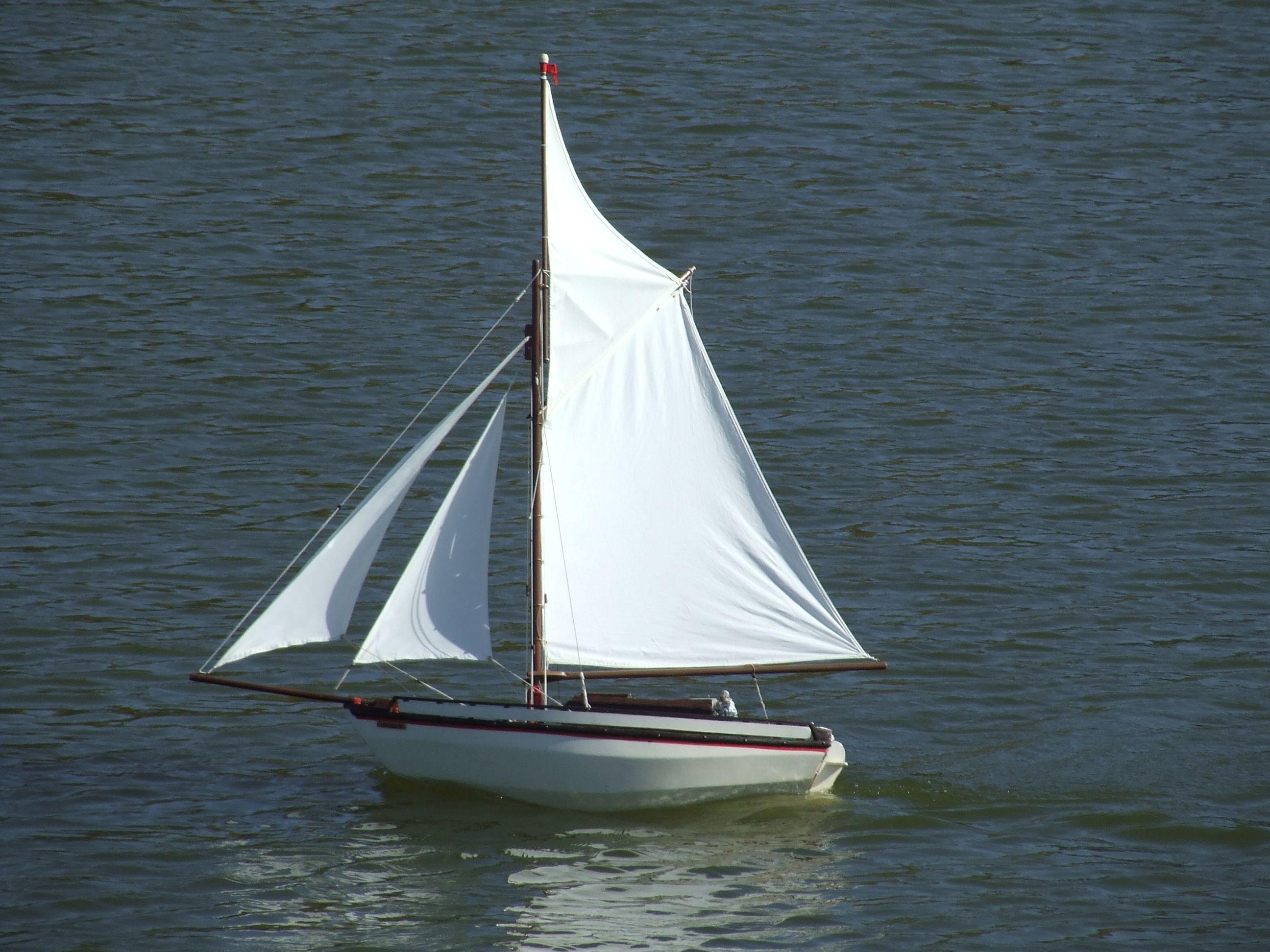 Sailing boat near the coast | Boats <3 | Pinterest | Sailing boat ...