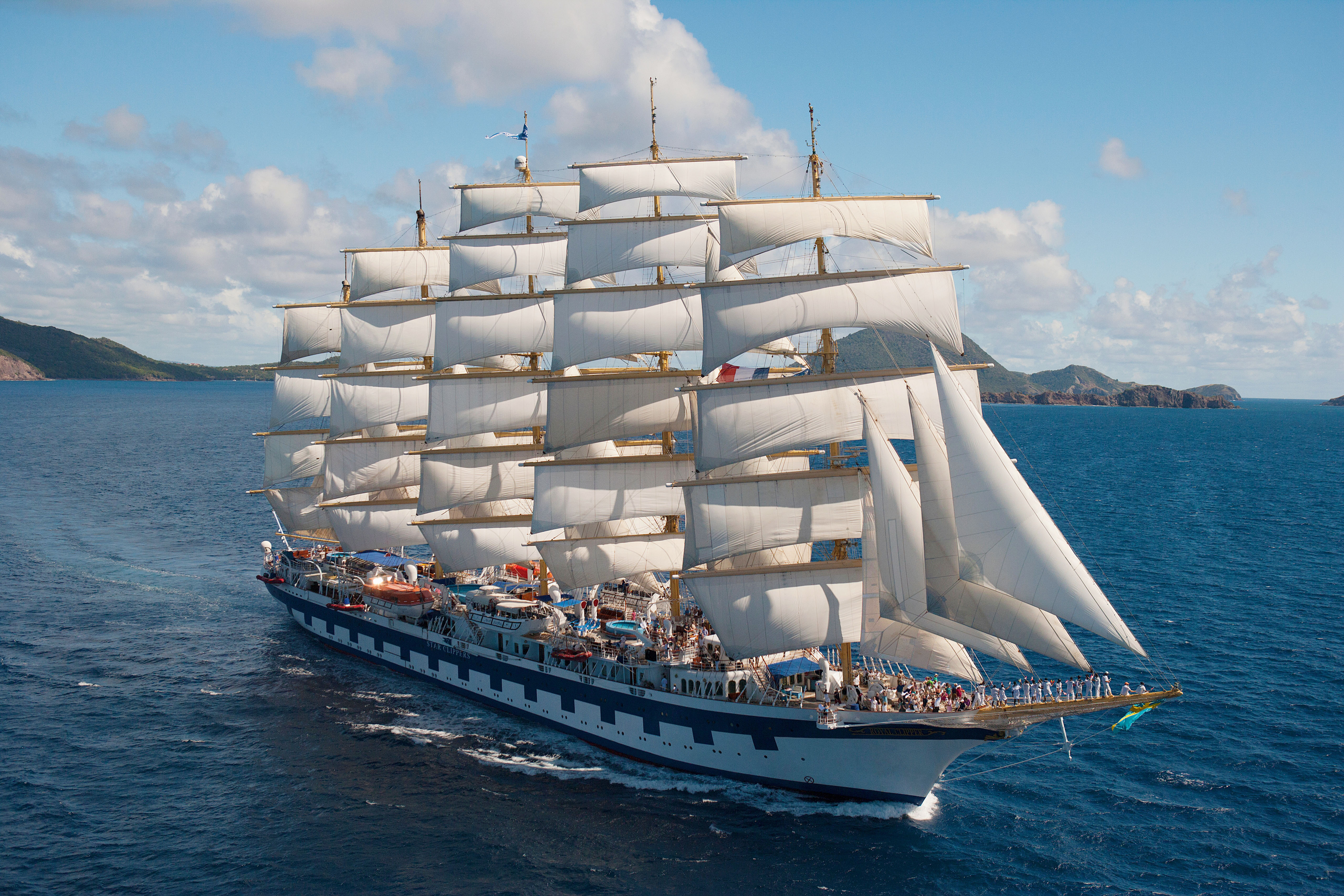 The world's largest sailing ship (The Royal Clipper) : pics