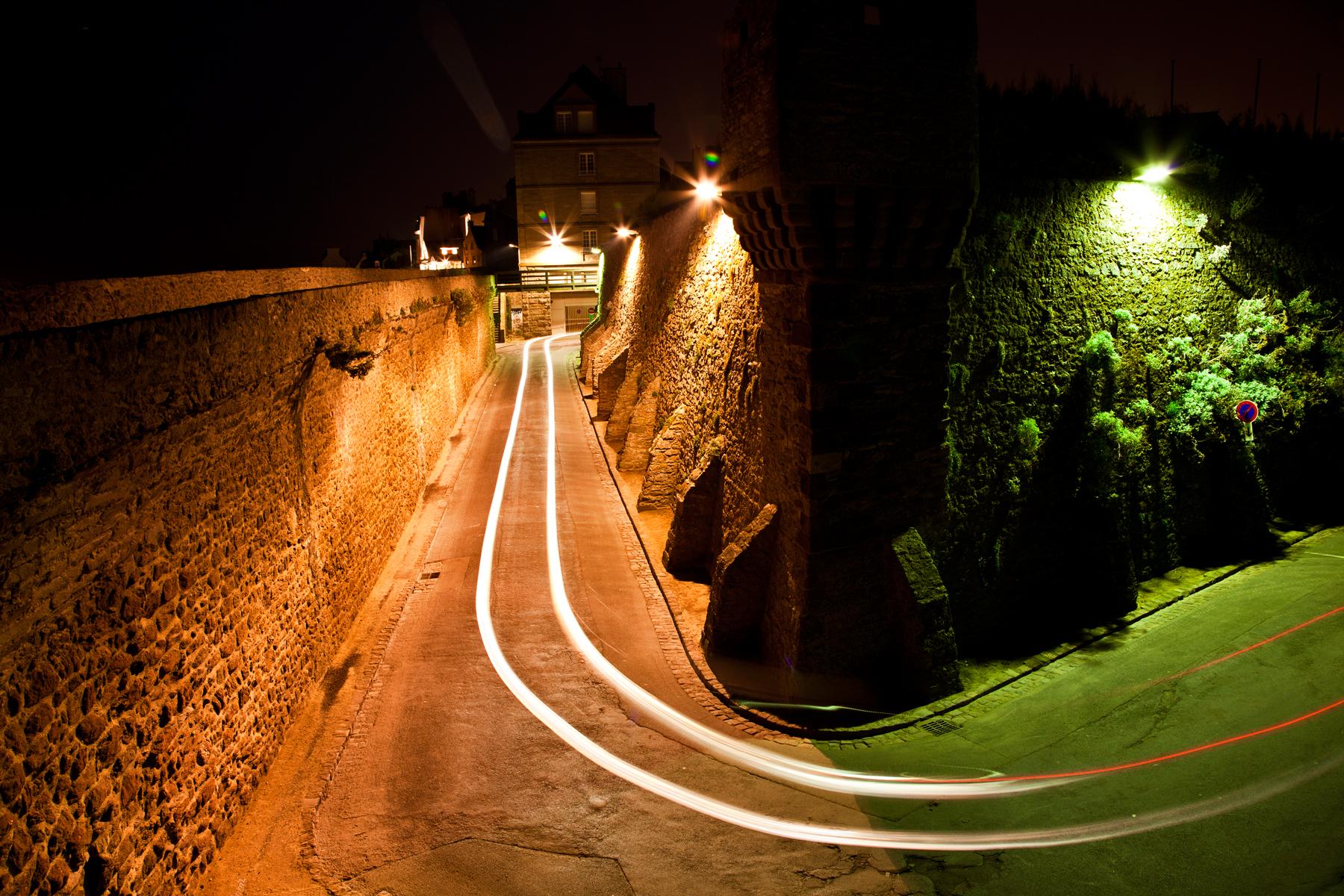 Saint-Malo Street Scene, Ancient, Red, Split, Somadjinn, HQ Photo