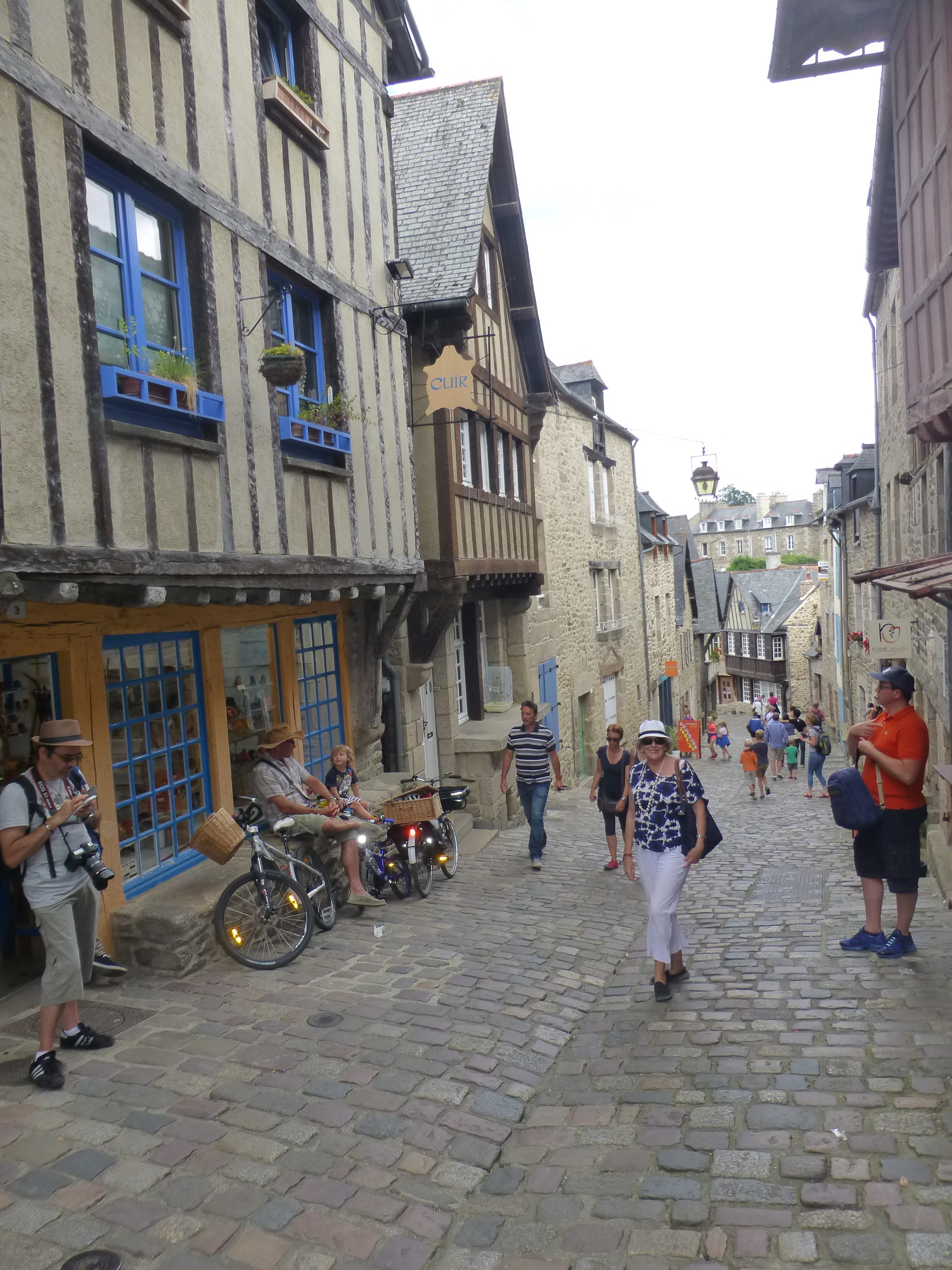 Stopped in Dinan then St Malo   frans travel tales
