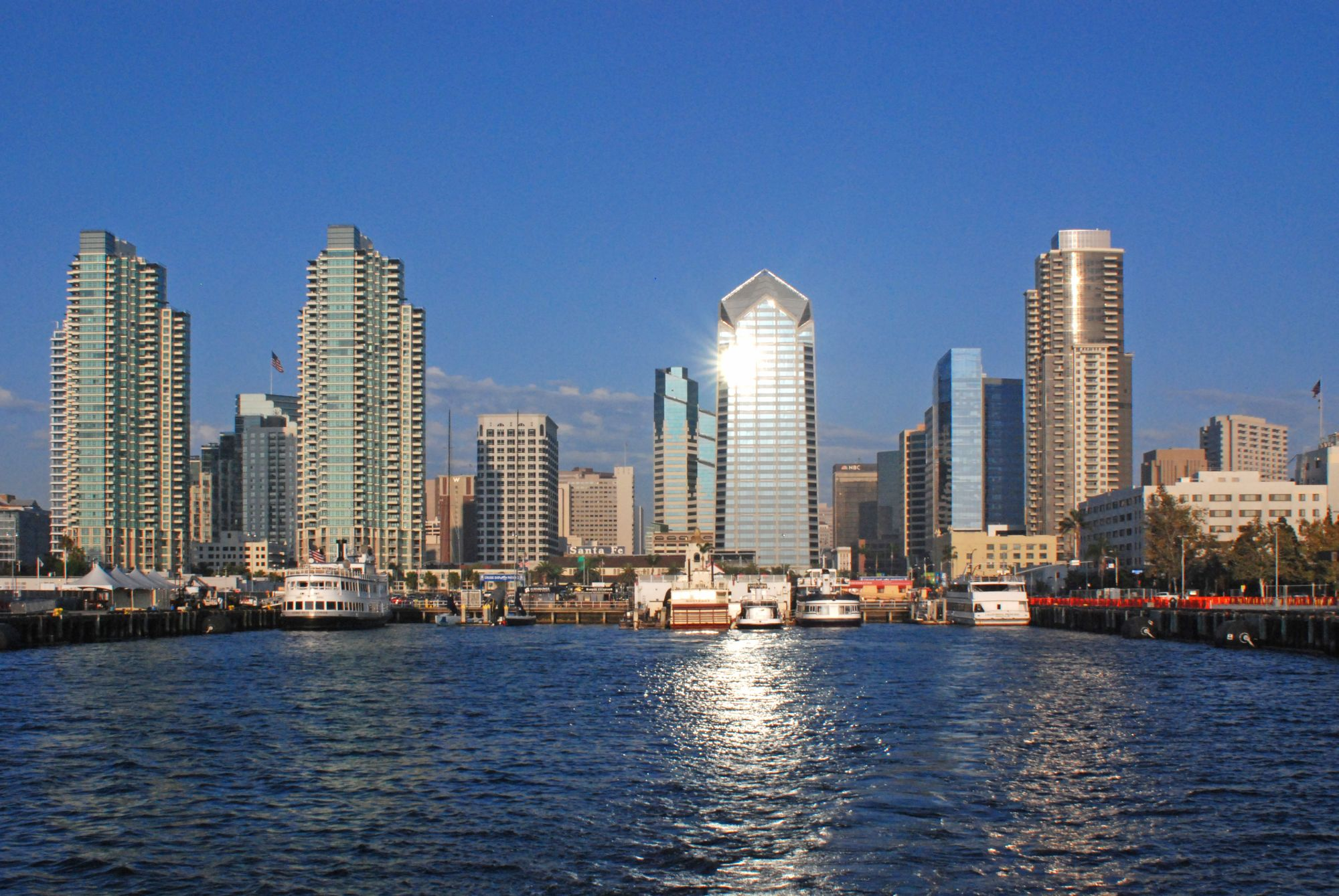 File:San Diego bay 2.jpg - Wikimedia Commons