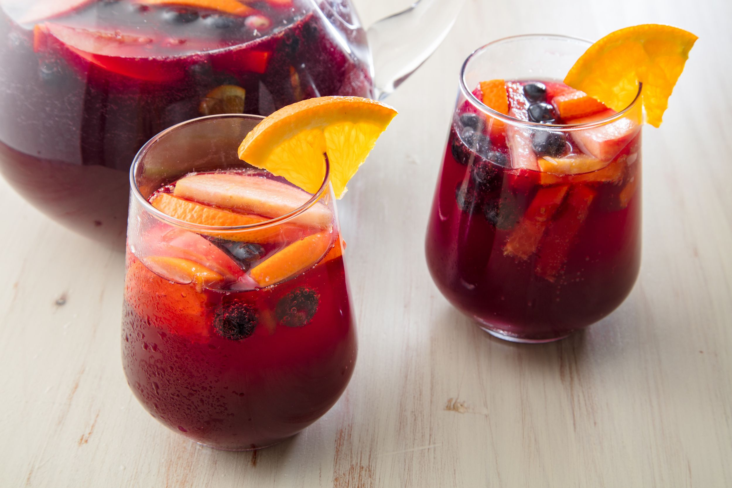 Best Red Wine Sangria Recipe - How to Make Easy Sangria