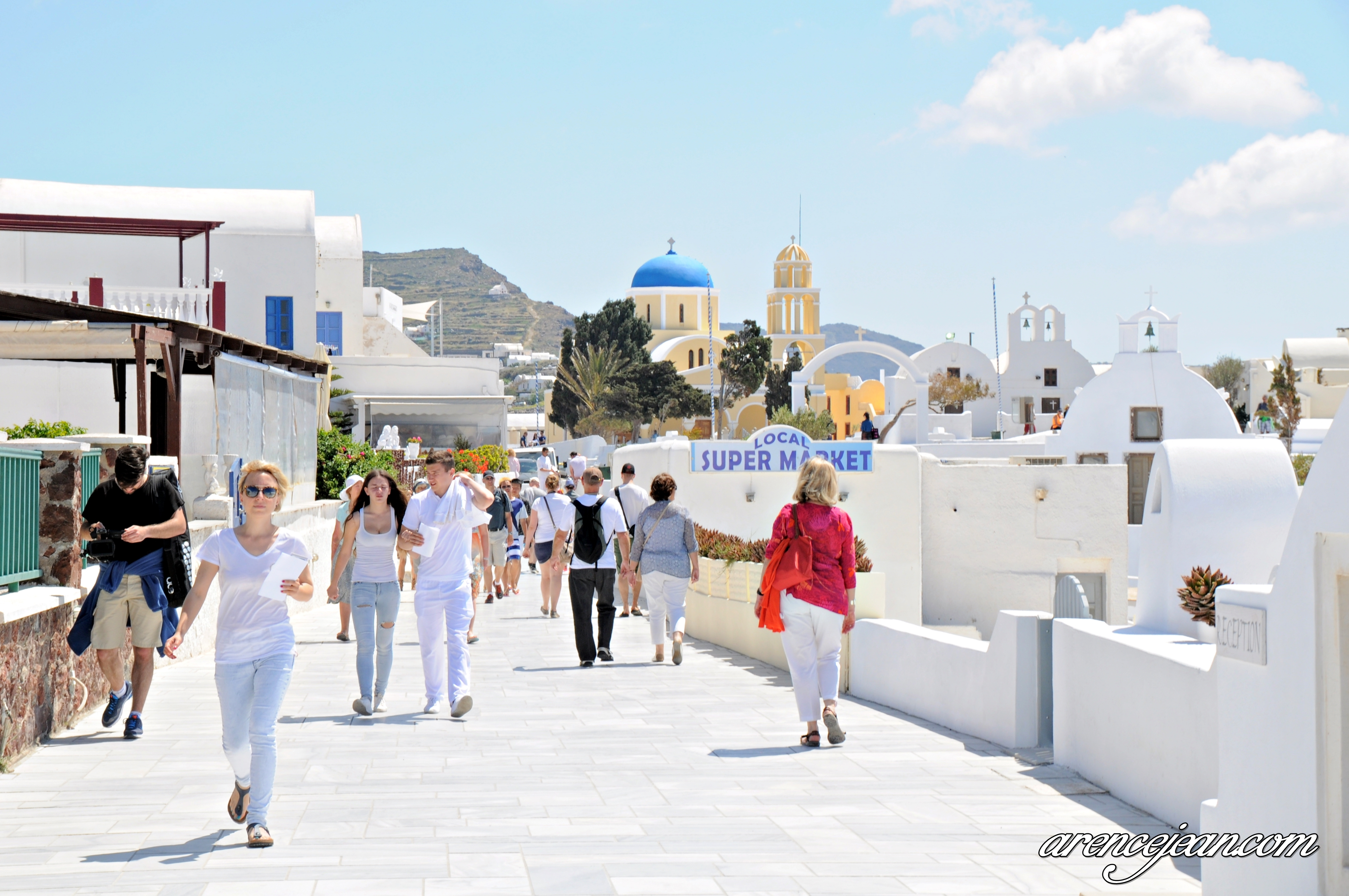 Travel in Greece: A Day in Oia Santorini – A World of Travel ...