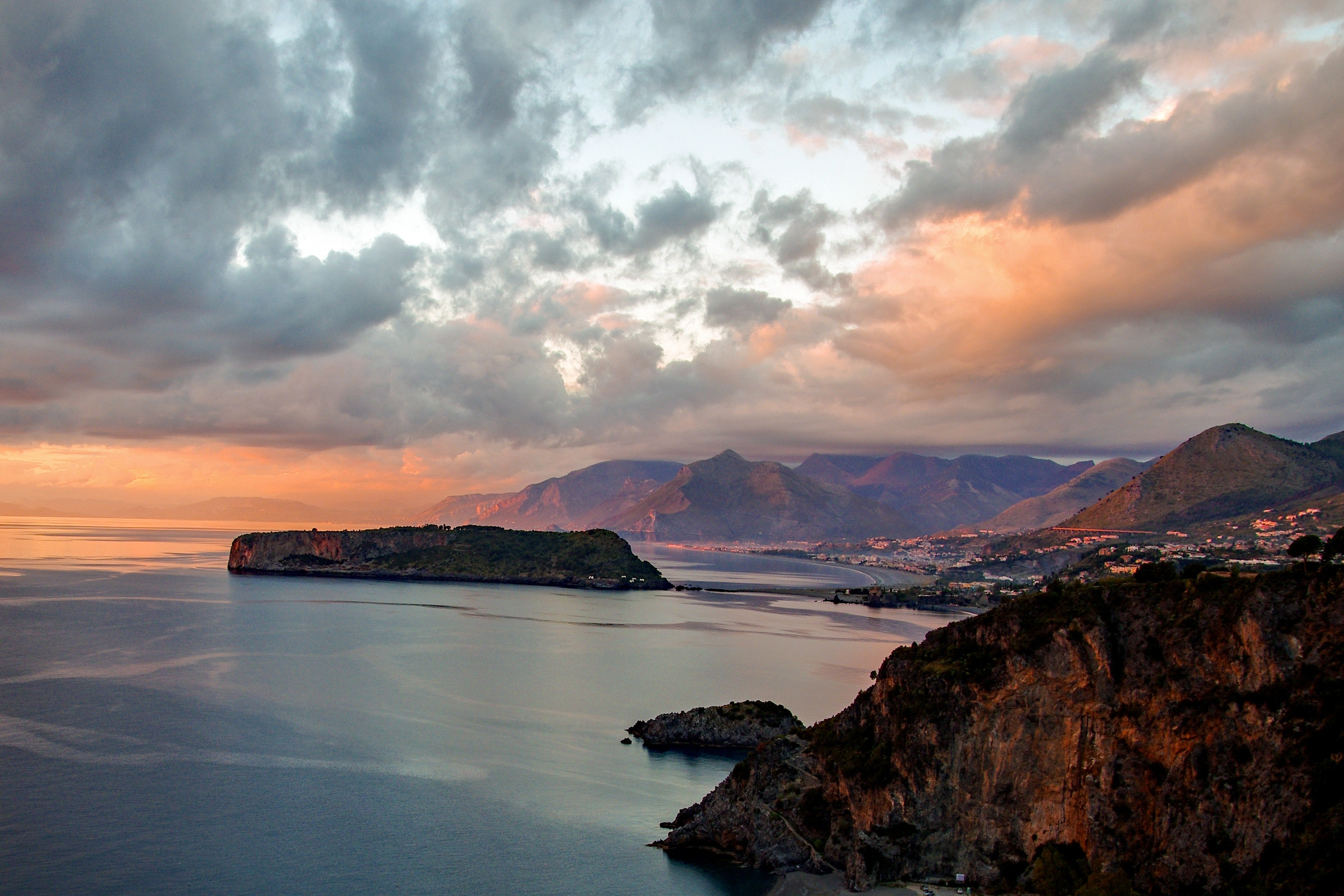 Scenic View of Dramatic Sky over Sea, Bay, Rocks, Travel, Sunset, HQ Photo
