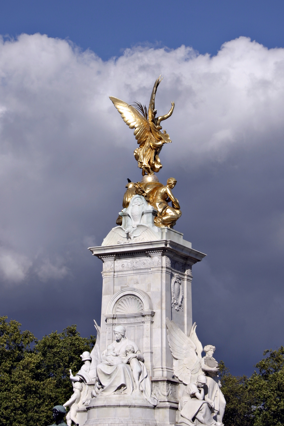 Sculptures outside of buckingham palace photo
