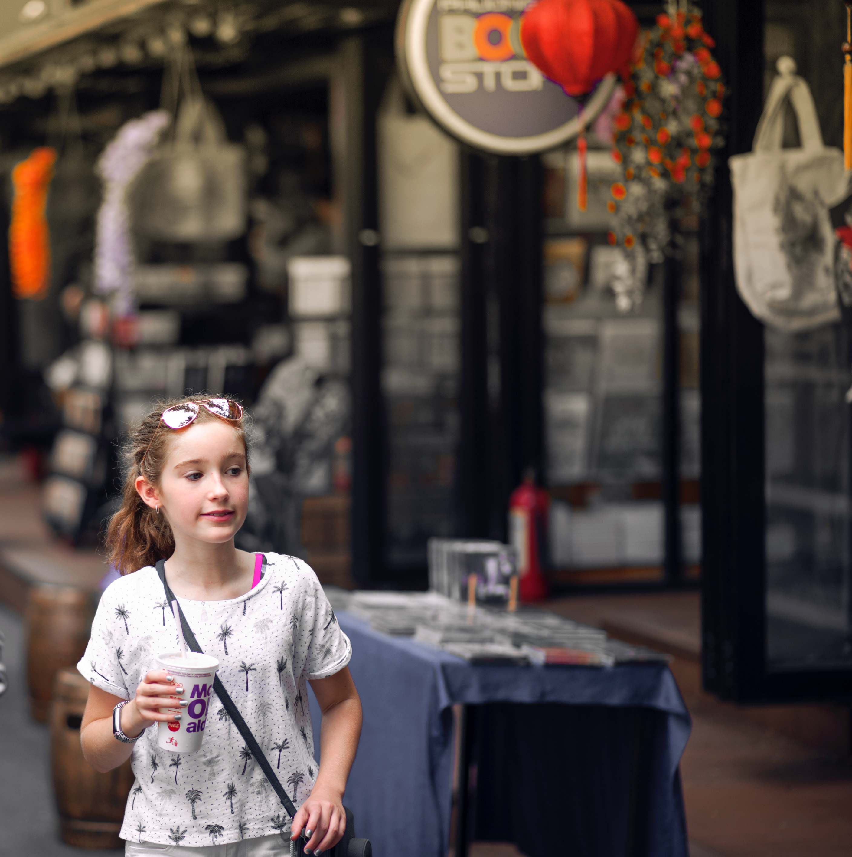 Selective Focus Photo of Girl Wearing Gray and Black Tree Print Holding Mcdonald Plastic Cup, Blur, Shops, Wear, Urban, HQ Photo