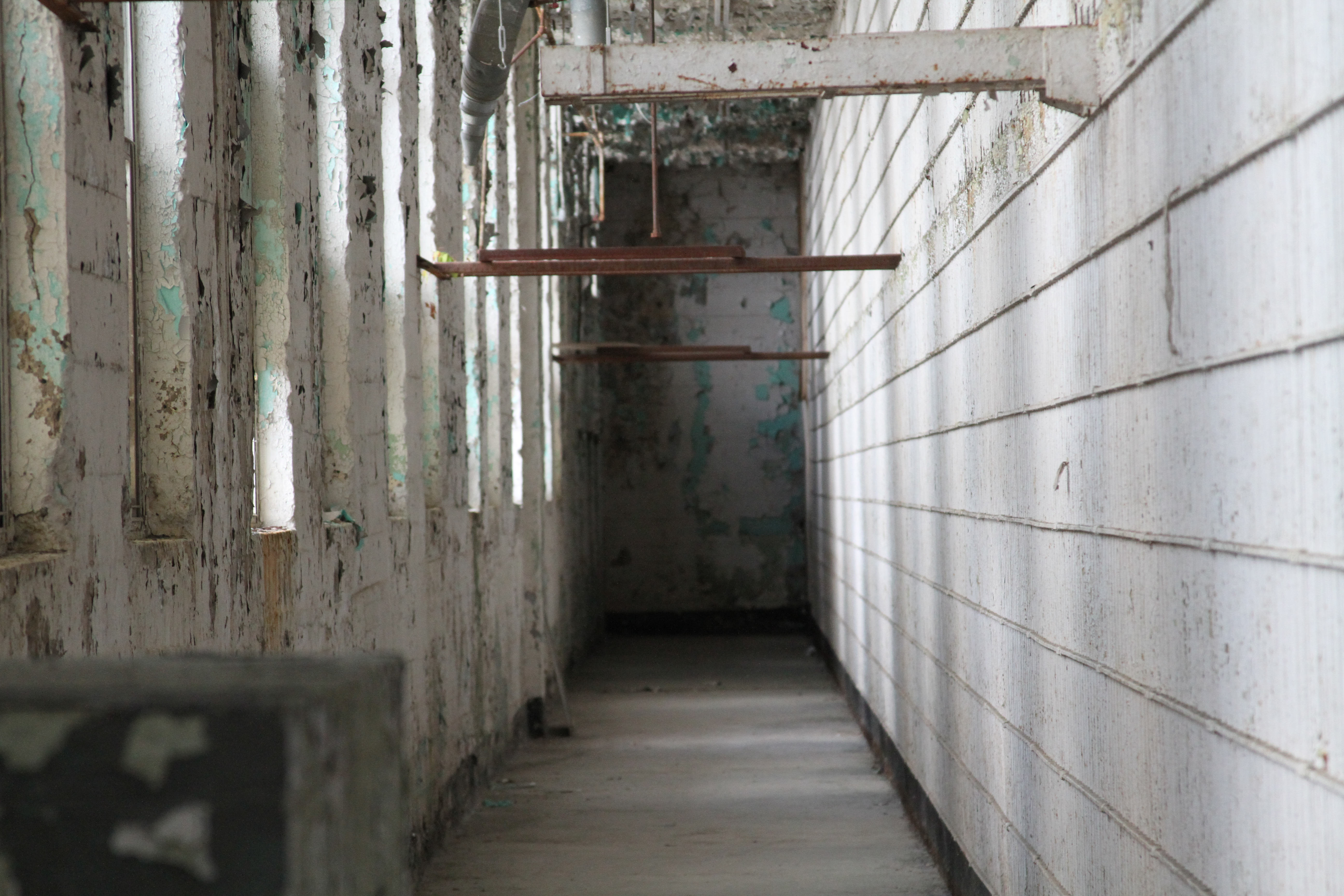 Okla. Penitentiary Fades as State Shifts Inmates to Private Prisons ...