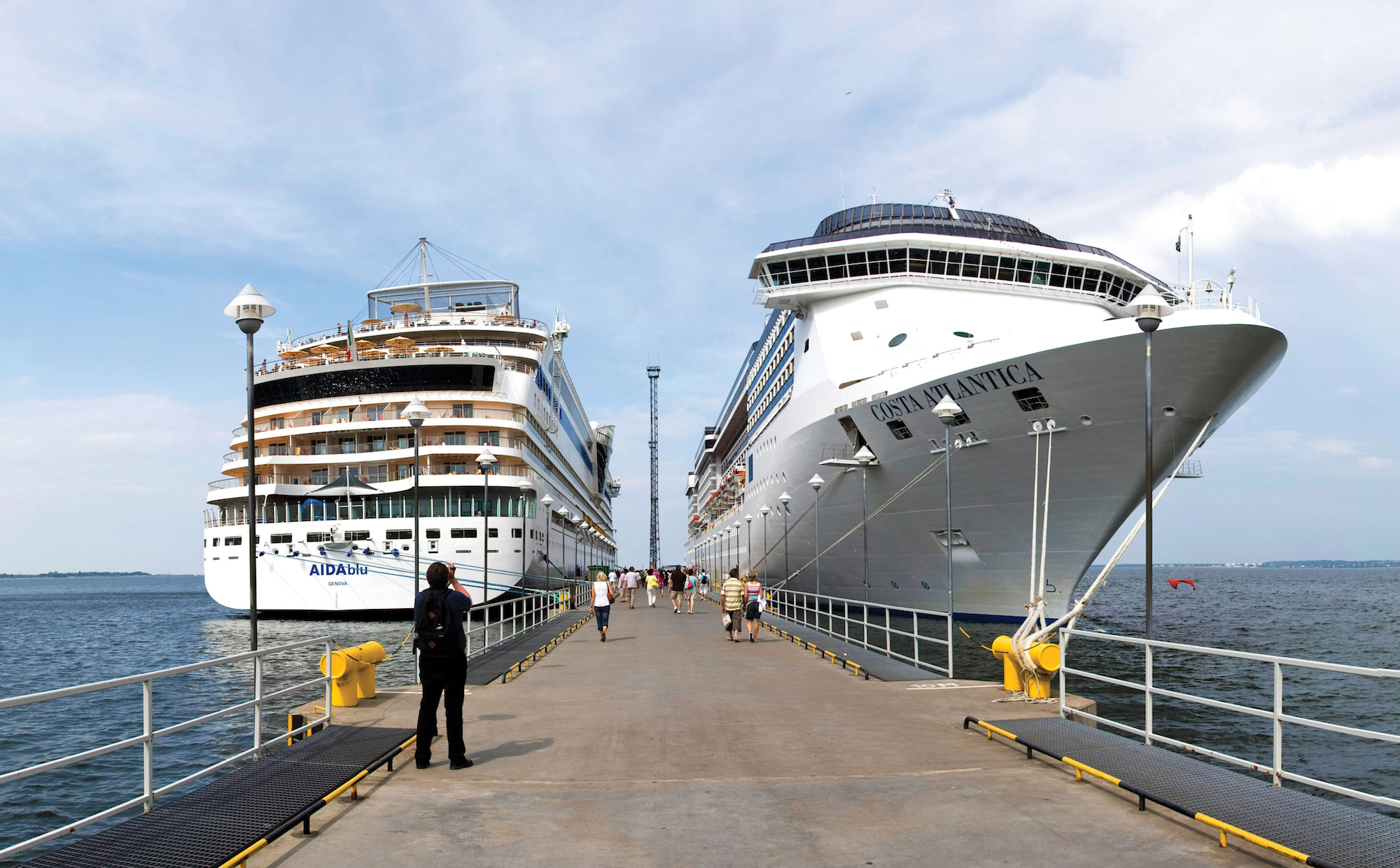 Disney Cruise Ship Wedding With Ships In Port Also Breakaway Or San ...