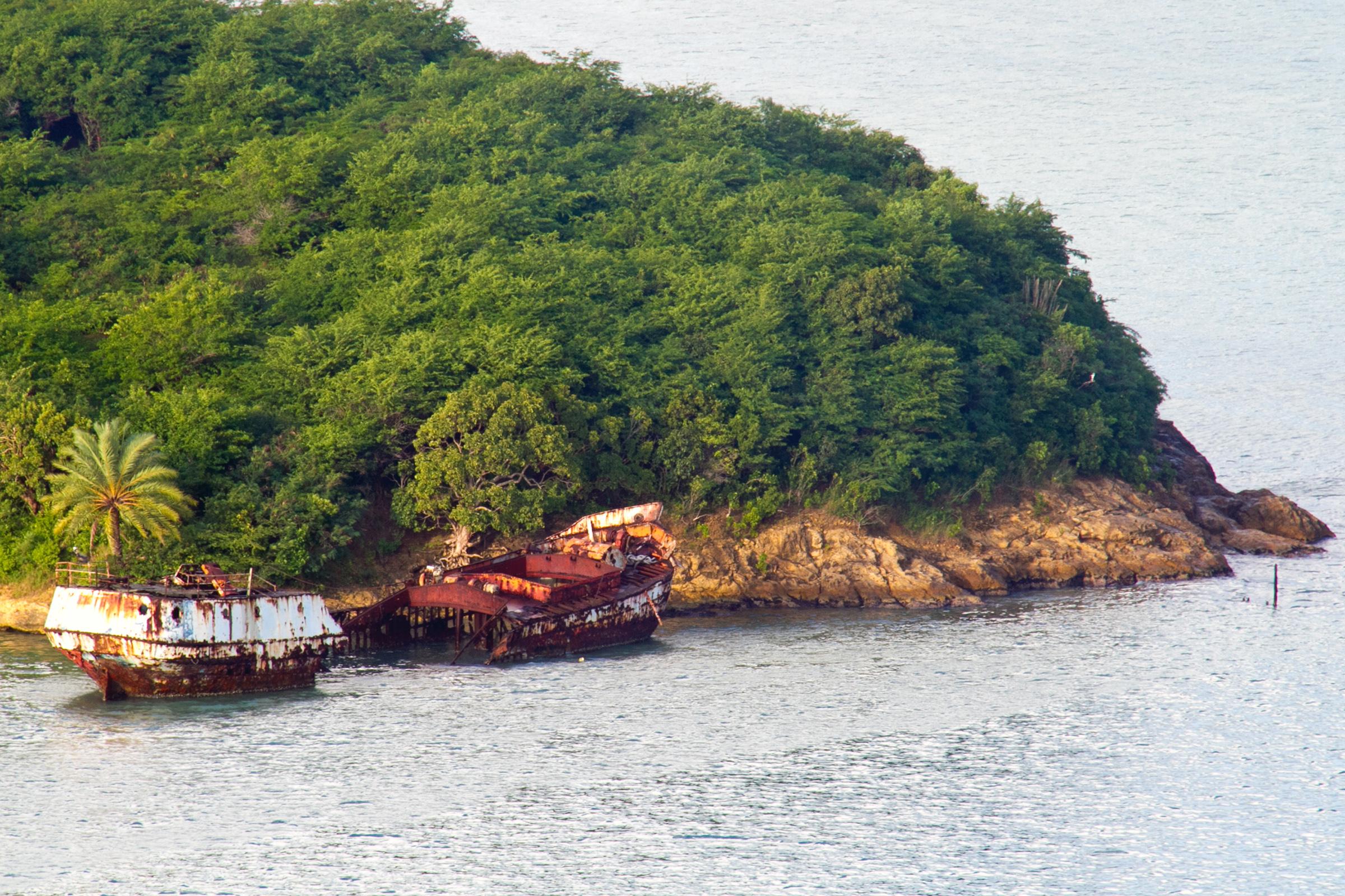 Shipwreck by the Coast, Abandoned, Rocks, Sunk, Shore, HQ Photo