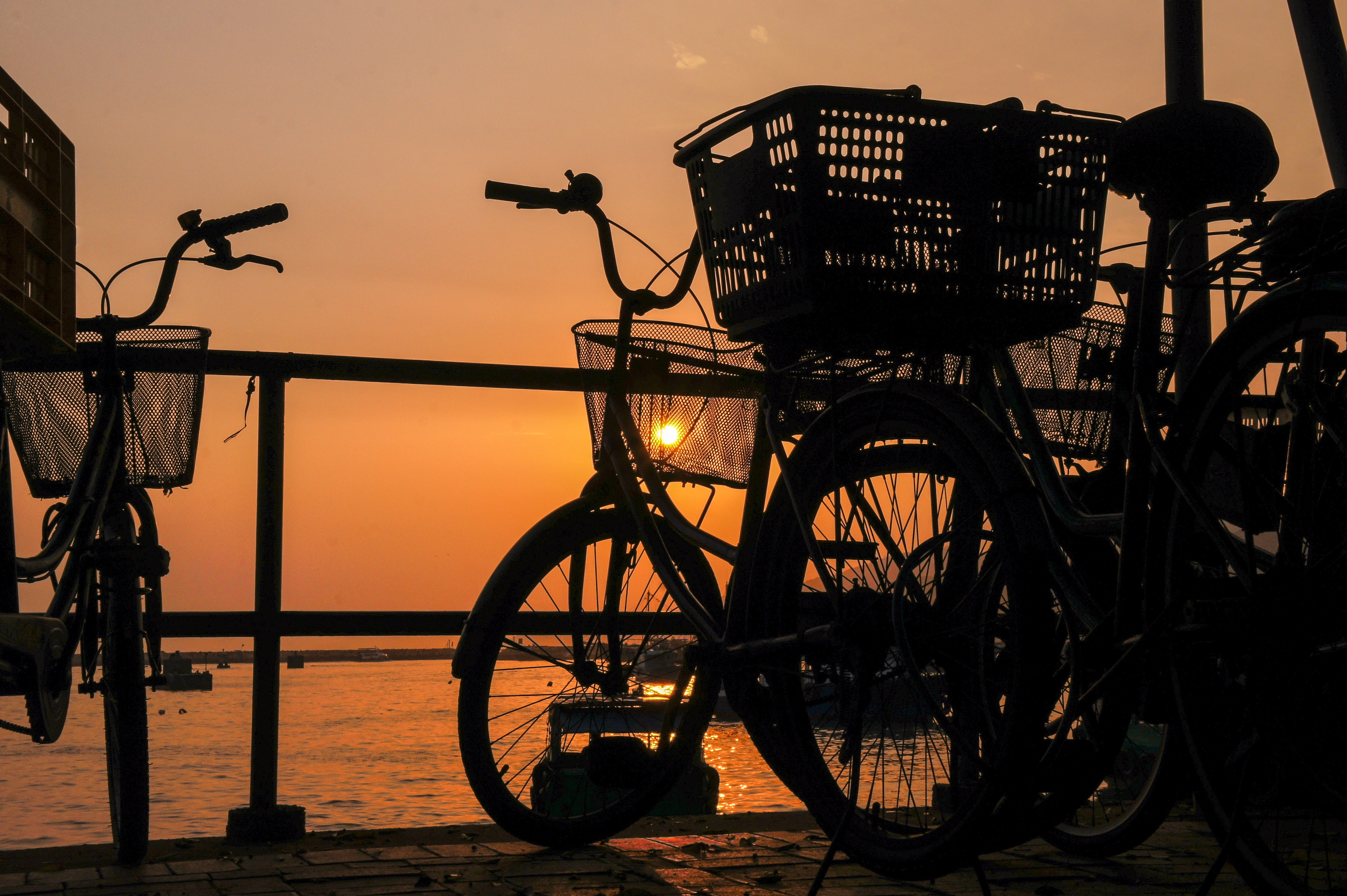 Silhouette of bicycle photo